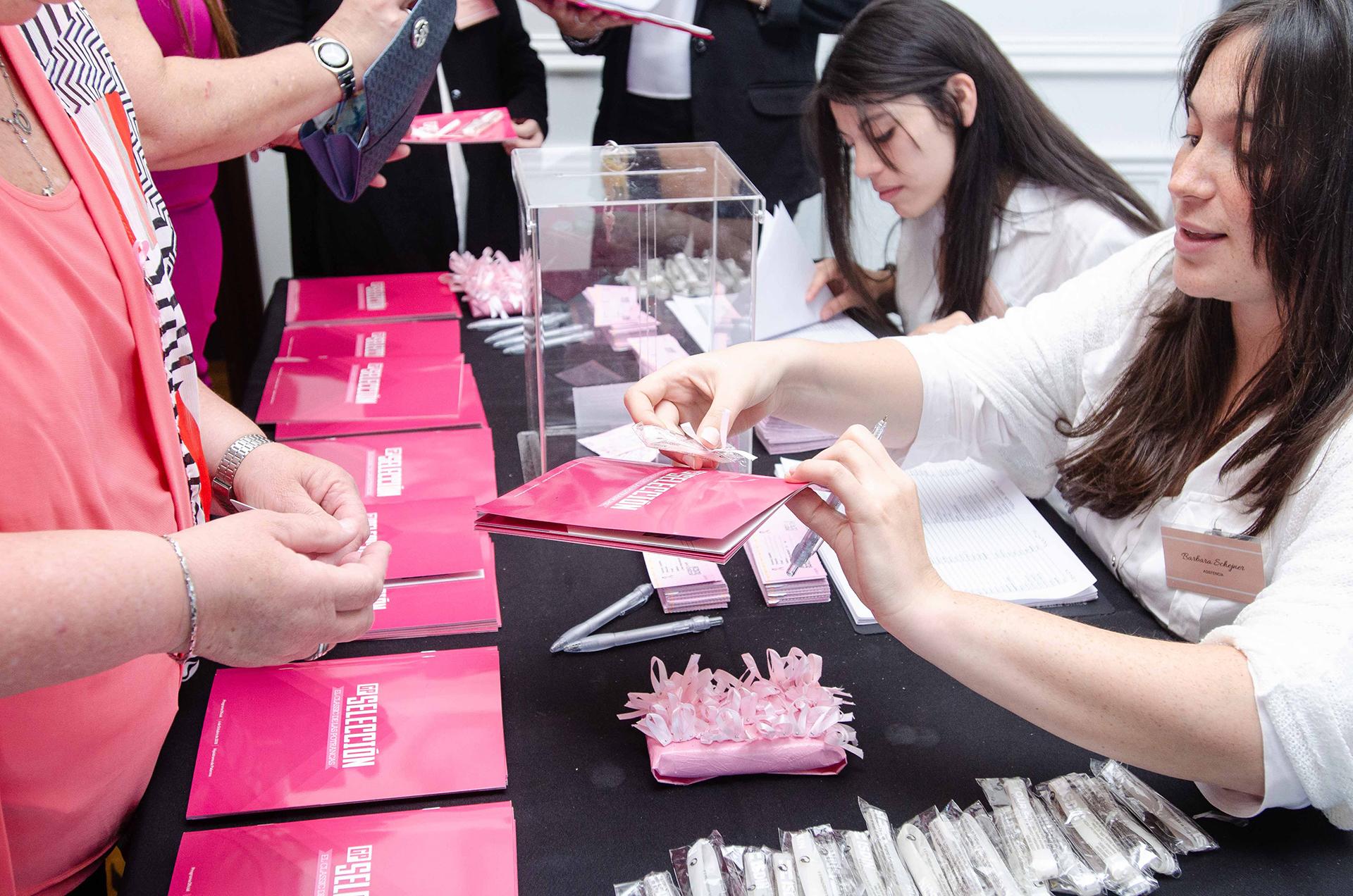 De la mano de LALCEC, la jornada se tiñó de rosa para la concientización sobre el cáncer y la importancia del diagnóstico precoz