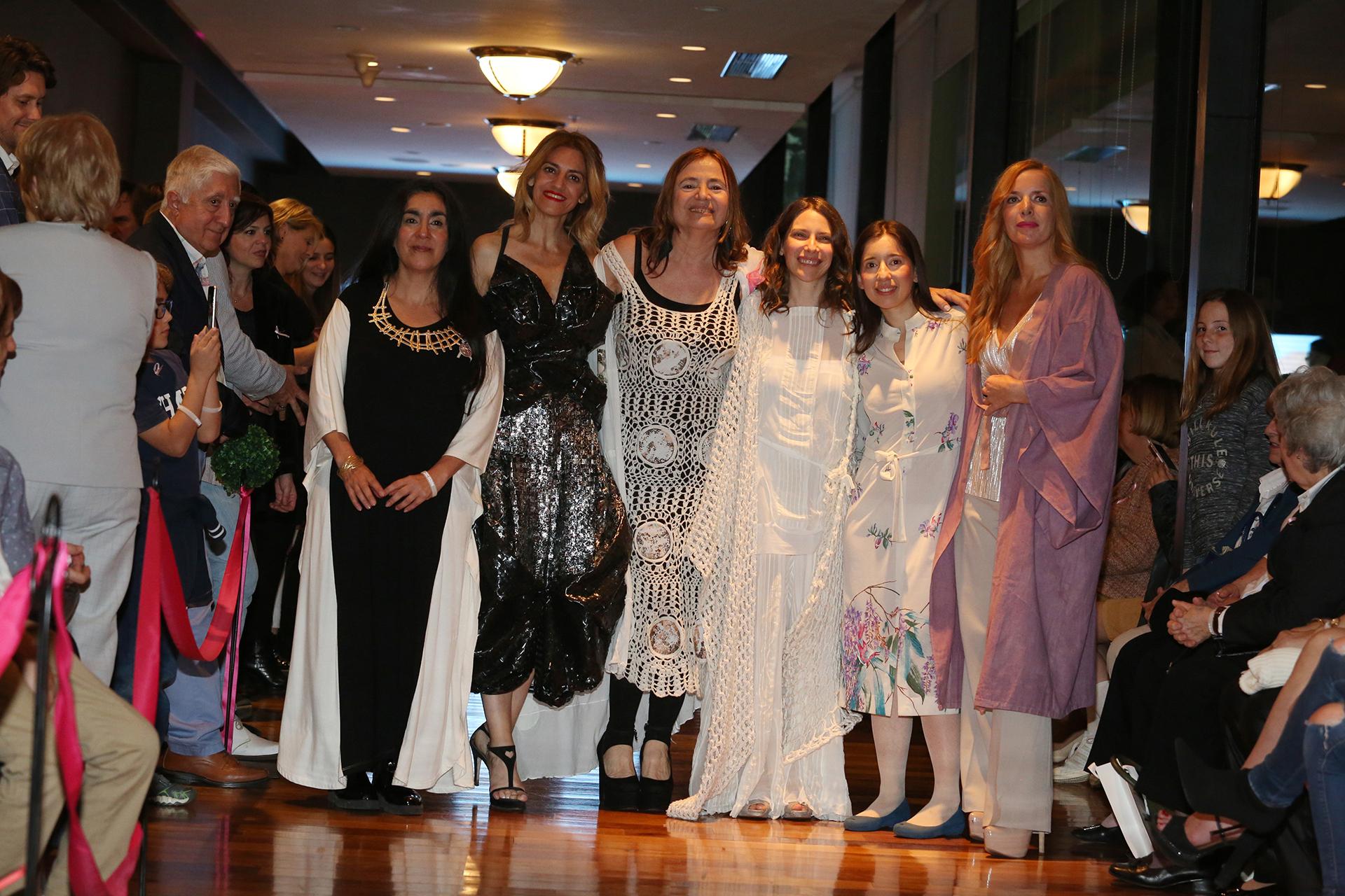 Cada diseñadora estuvo acompañada por una mujer referente en sustentabilidad y emprendedorismo, como Cosecha Vintage quien estuvo representada por Elena Roger y Carla Andrea quien estuvo representada por Alejandra Scafati, directora de la Fundación Ecomujeres