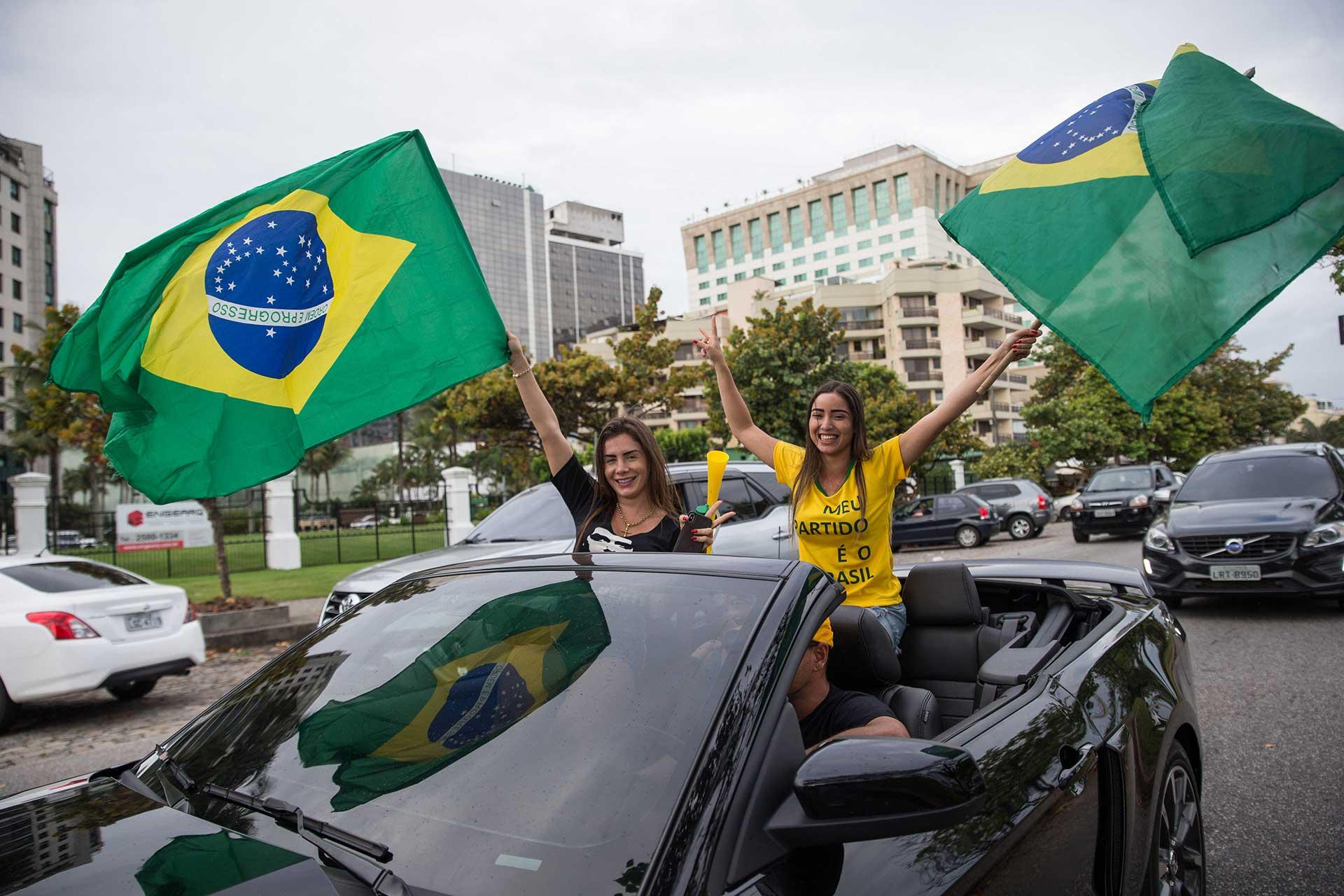 Si Bolsonaro llega a la presidencia de Brasil, daríacontinuidad a la transición económica (AFP)