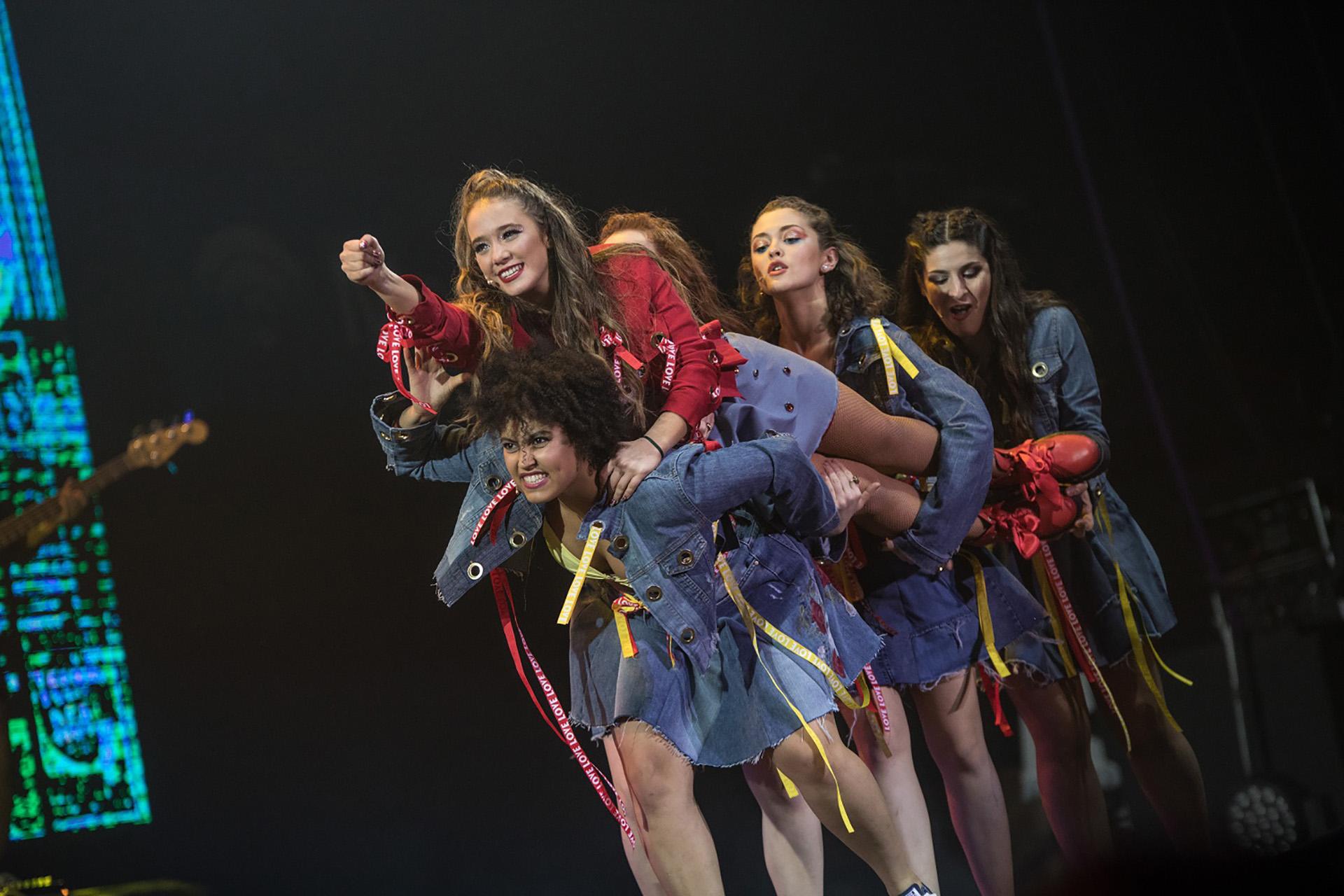 Simona, Chipi, Ailin, Agus y Lucre