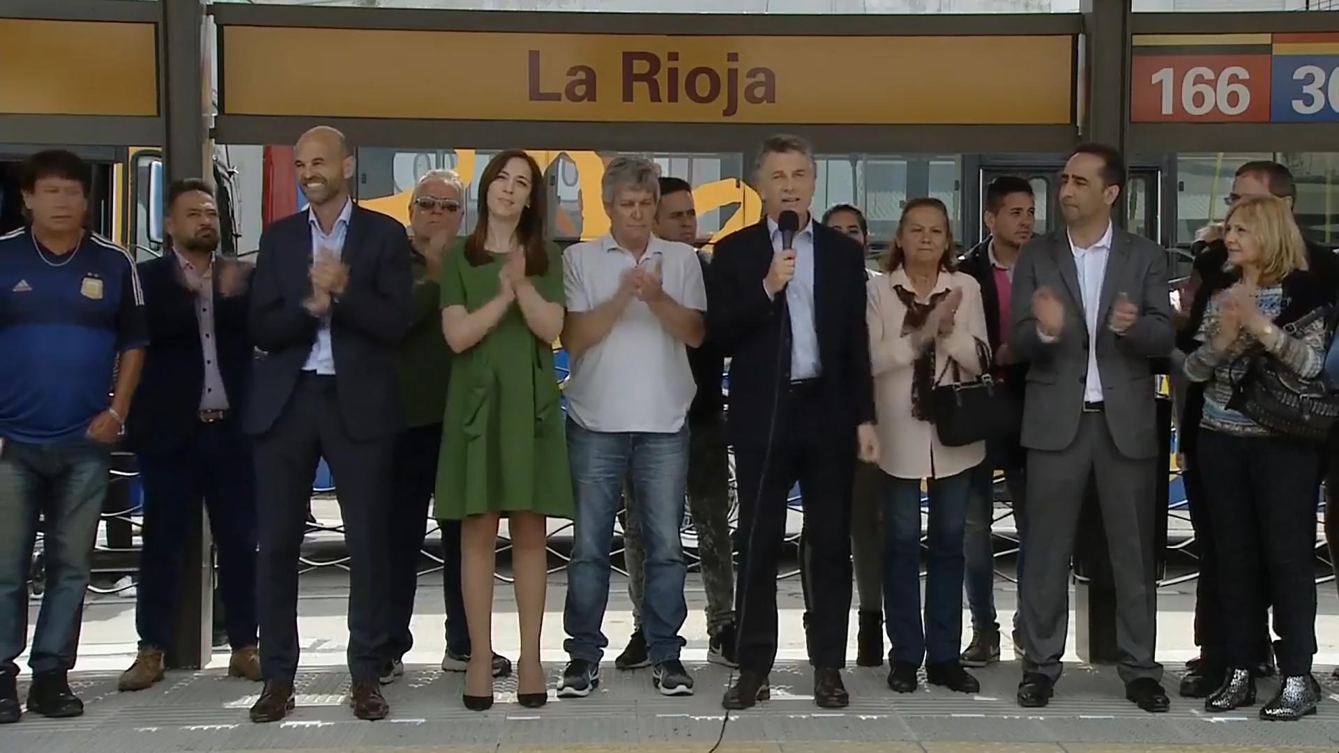 Vidal, con Macri, en la inauguración del Metrobús del Oeste