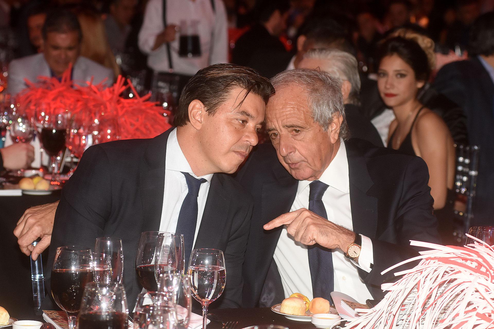El entrenador de River, Marcelo Gallardo, y su presidente, Rodolfo D'Onofrio, durante la quinta cena anual a beneficio de la Fundación River Plate