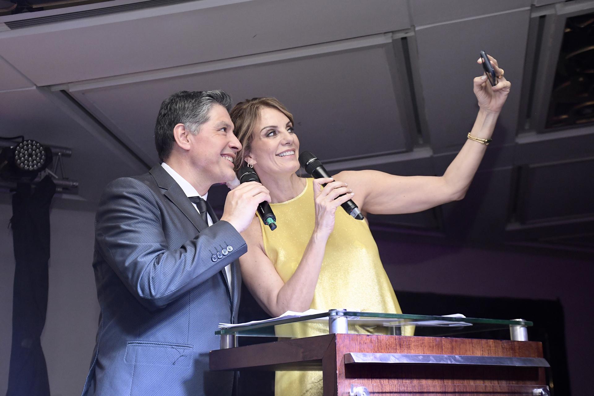 Guillermo Lobos y Nequi Galotti a cargo de la conducción de la velada