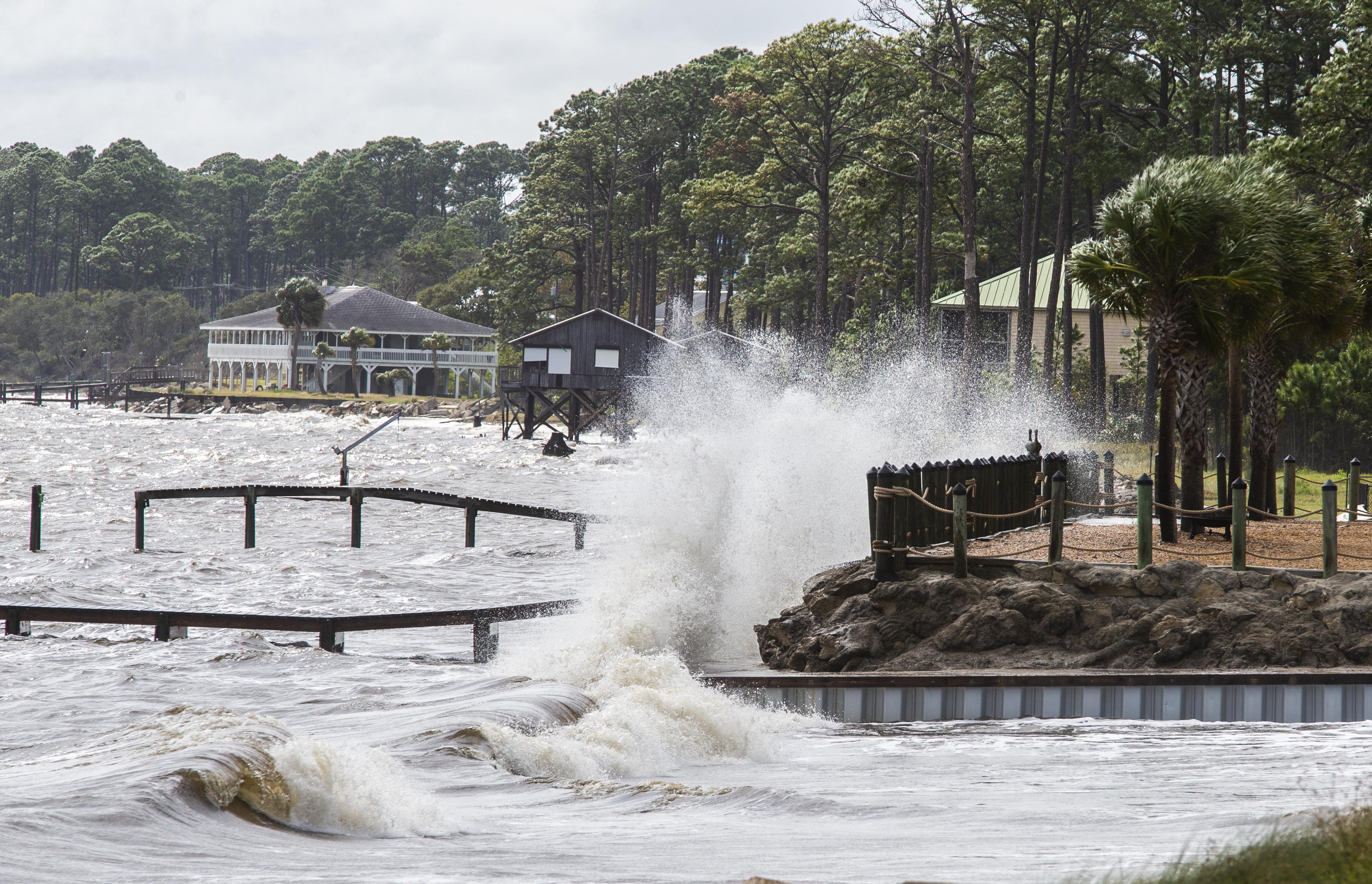 Las olas en Eastpoint, Florida