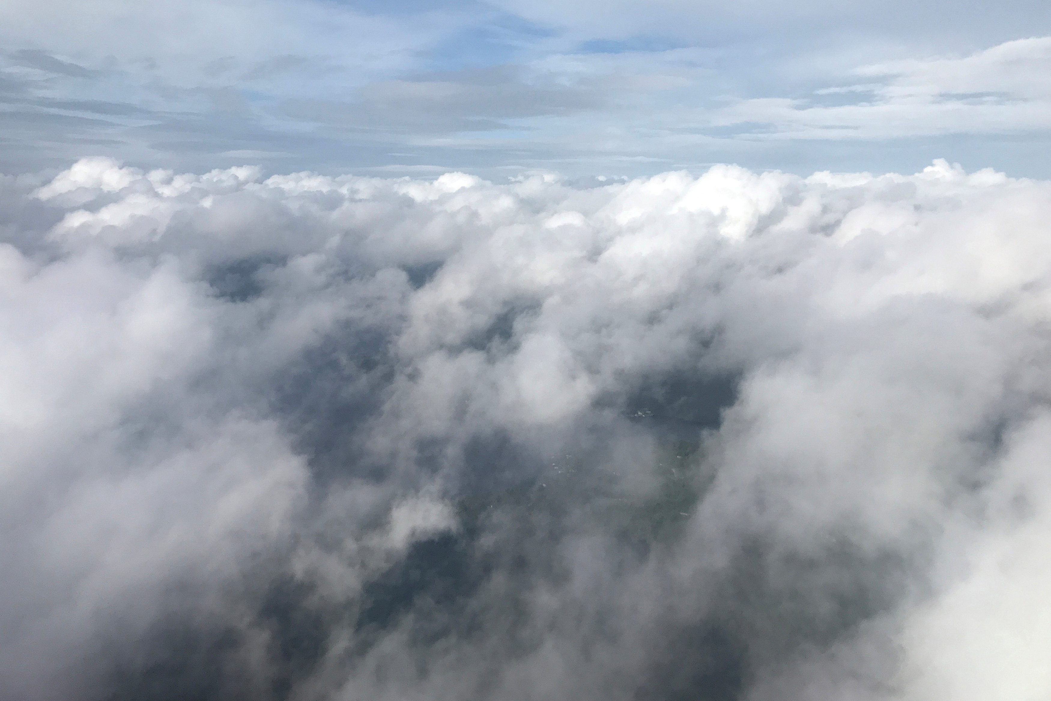 Las nubes sobre Tallahassee, Florida antes de la llegada del huracán