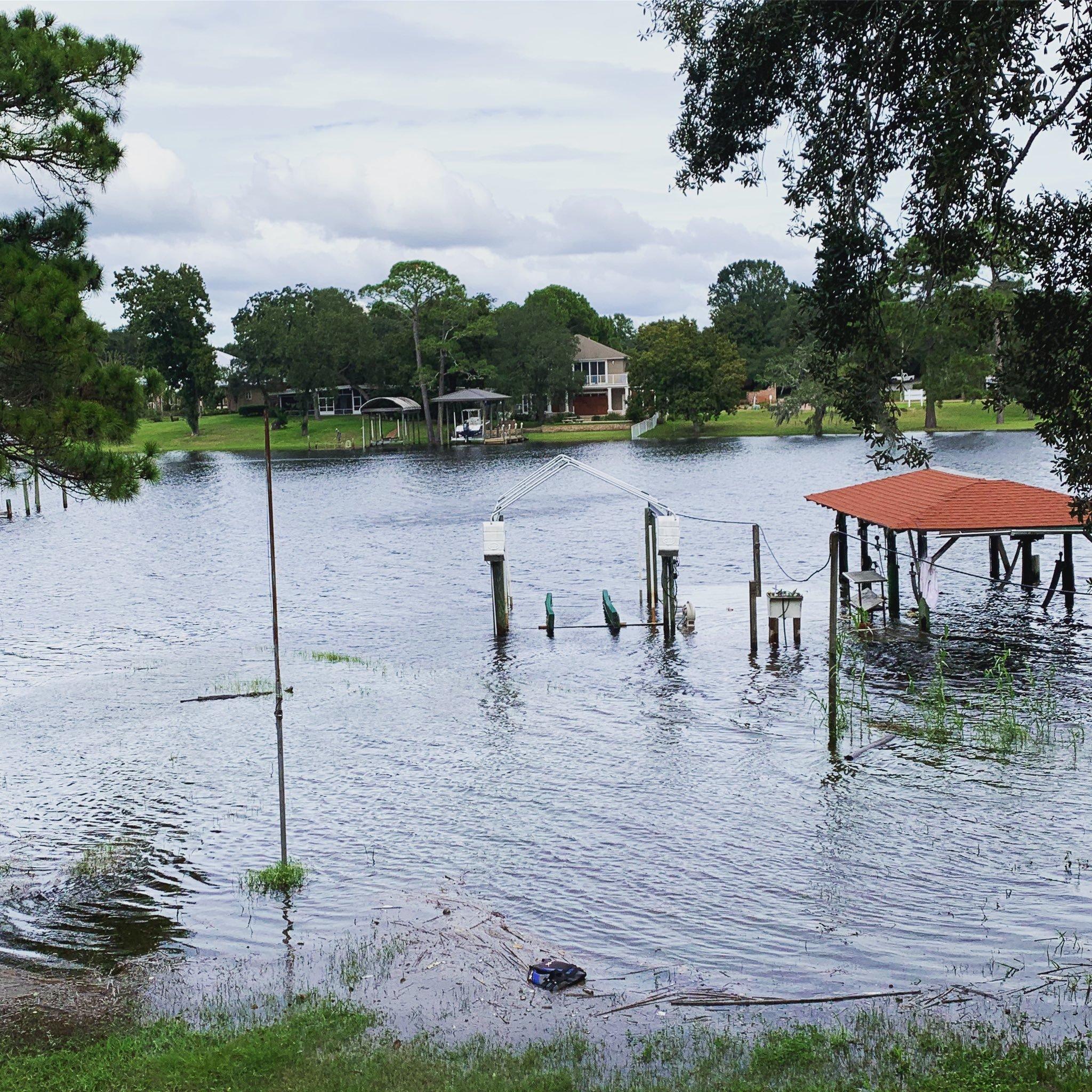 Los barrios de Fort Walton Beach ya sufren las inundaciones