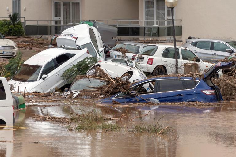 Vista de una calle de la localidad de Sant Llorenç des Cardassar (Mallorca), tras las inundaciones y el desbordamiento de torrentes