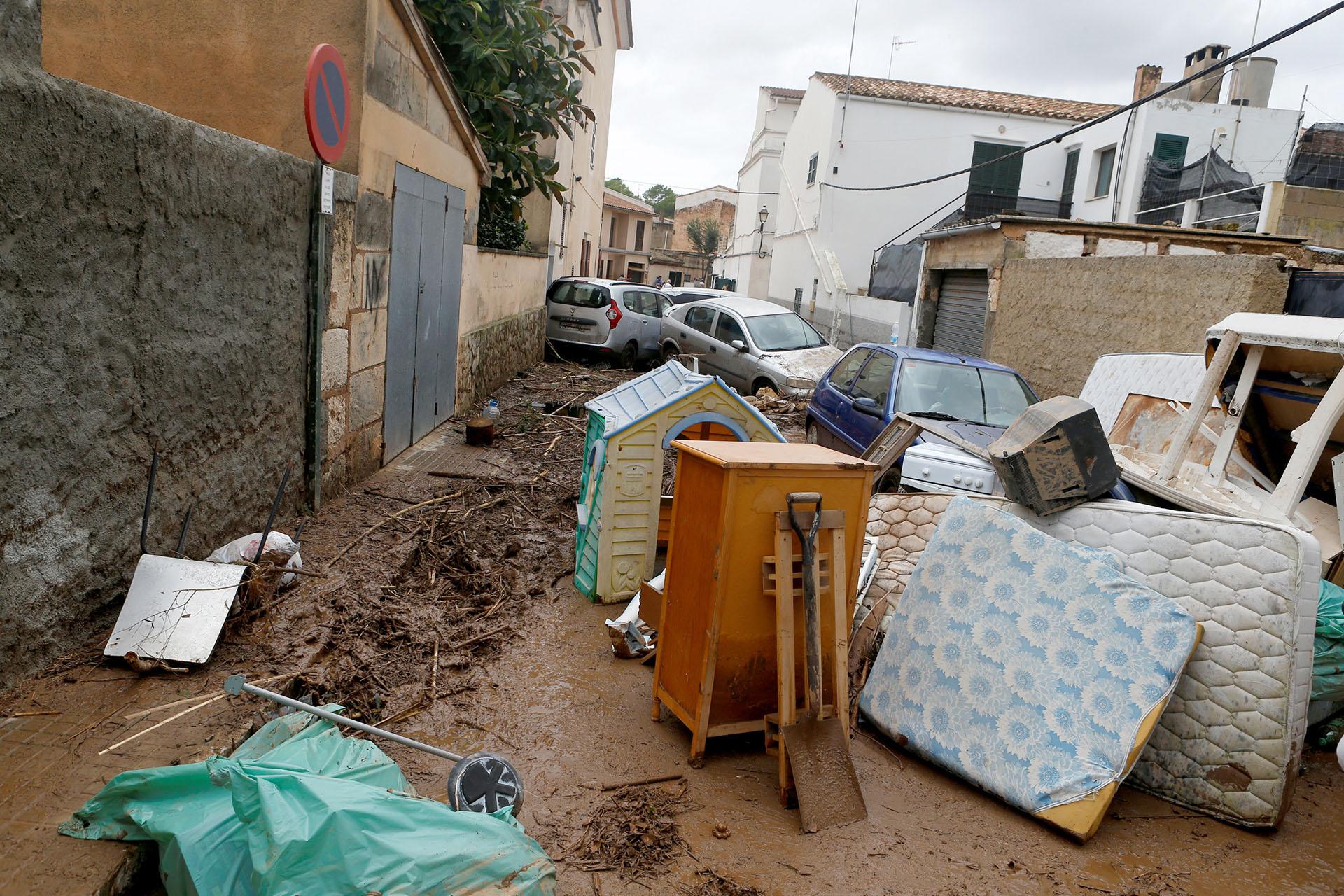 Nueve carreteras de la zona oriental de la isla permanecen cerradas a causa de los desbordamientos, informó el Gobierno de Baleares