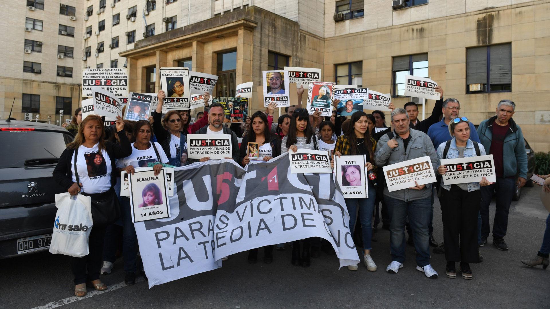 Los familiares de las 51 víctimas de la tragedia de Once, unidossiempre pidieronjusticia (Maximiliano Luna)