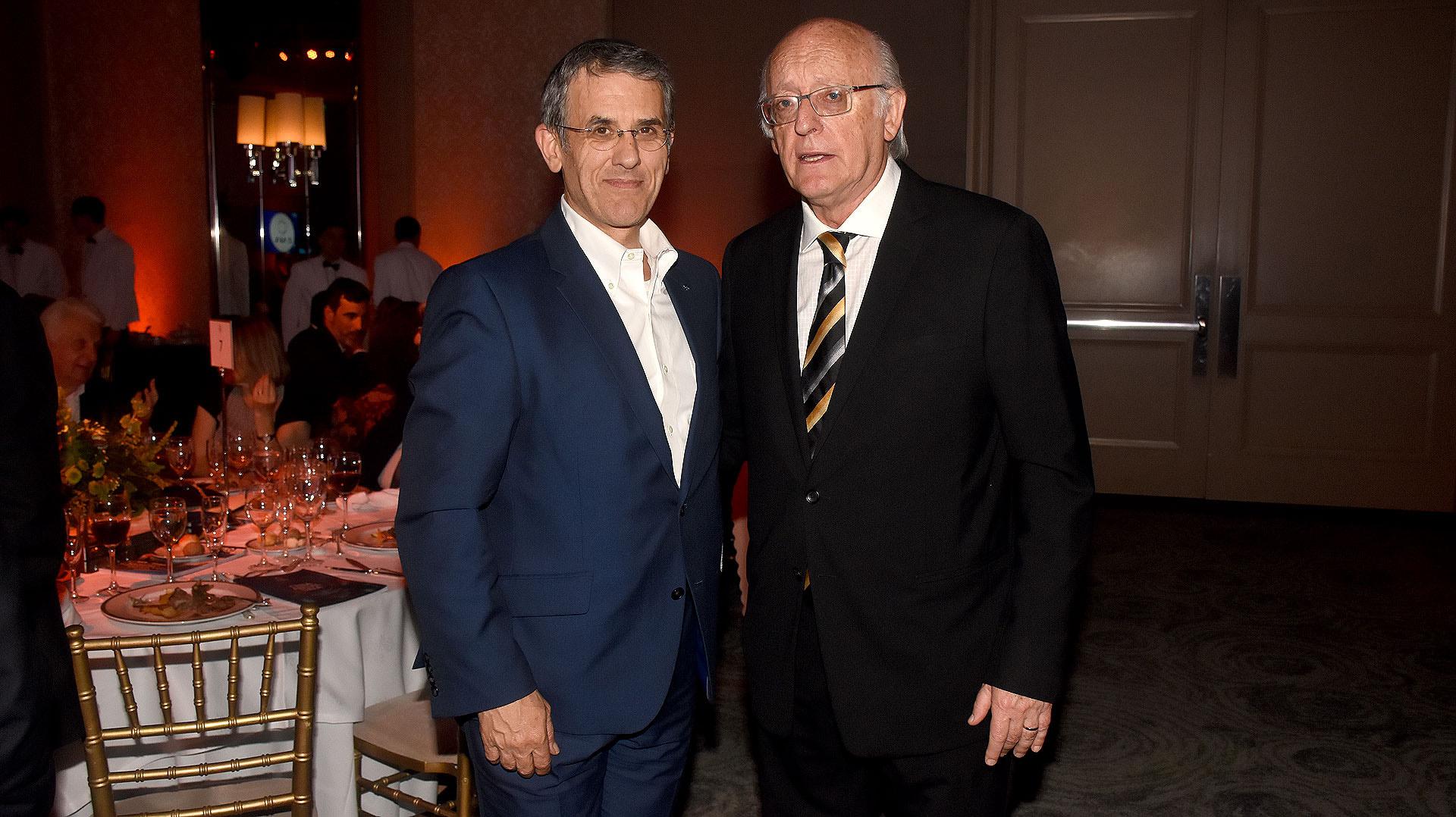 Agustín Zbar, presidente de la AMIA, y Alberto Indij, presidente de la DAIA