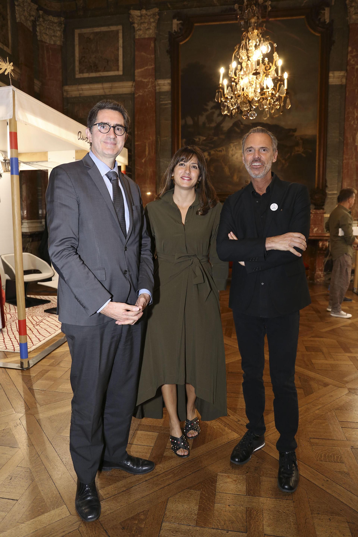 Yann Lorvo, consejero de Cooperación y Acción Cultural, y director del Institut Français, junto a Sandy Saad y Jean Paul Bath