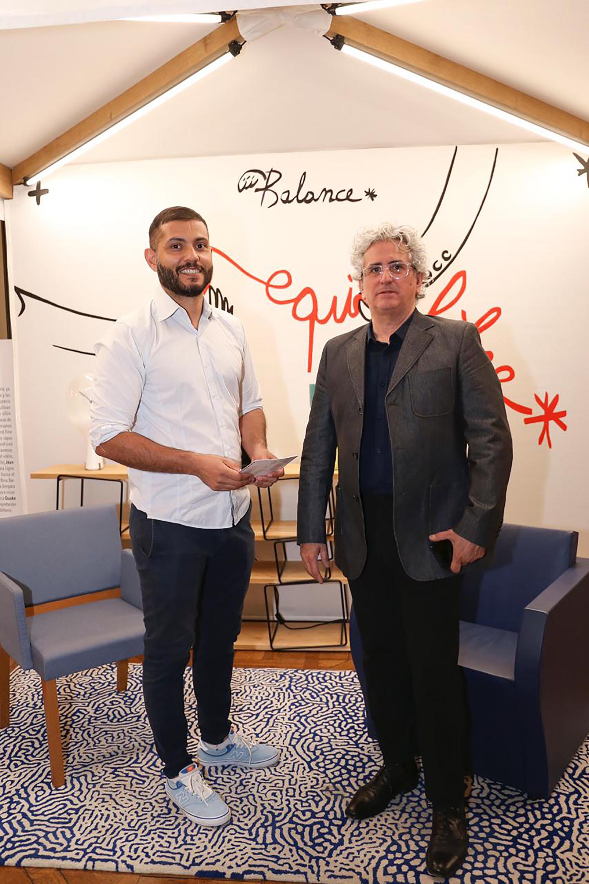El diseñador industrial Cristian Mohaded junto a Julio Oropel, fundador de dAra