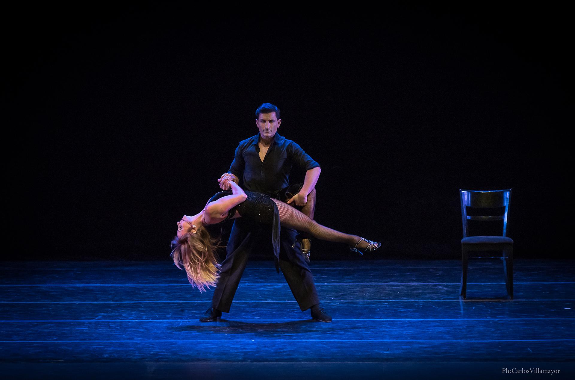 Eleonora Cassano junto al bailarín Sebastián Acosta, al ritmo de Astor Piazzola