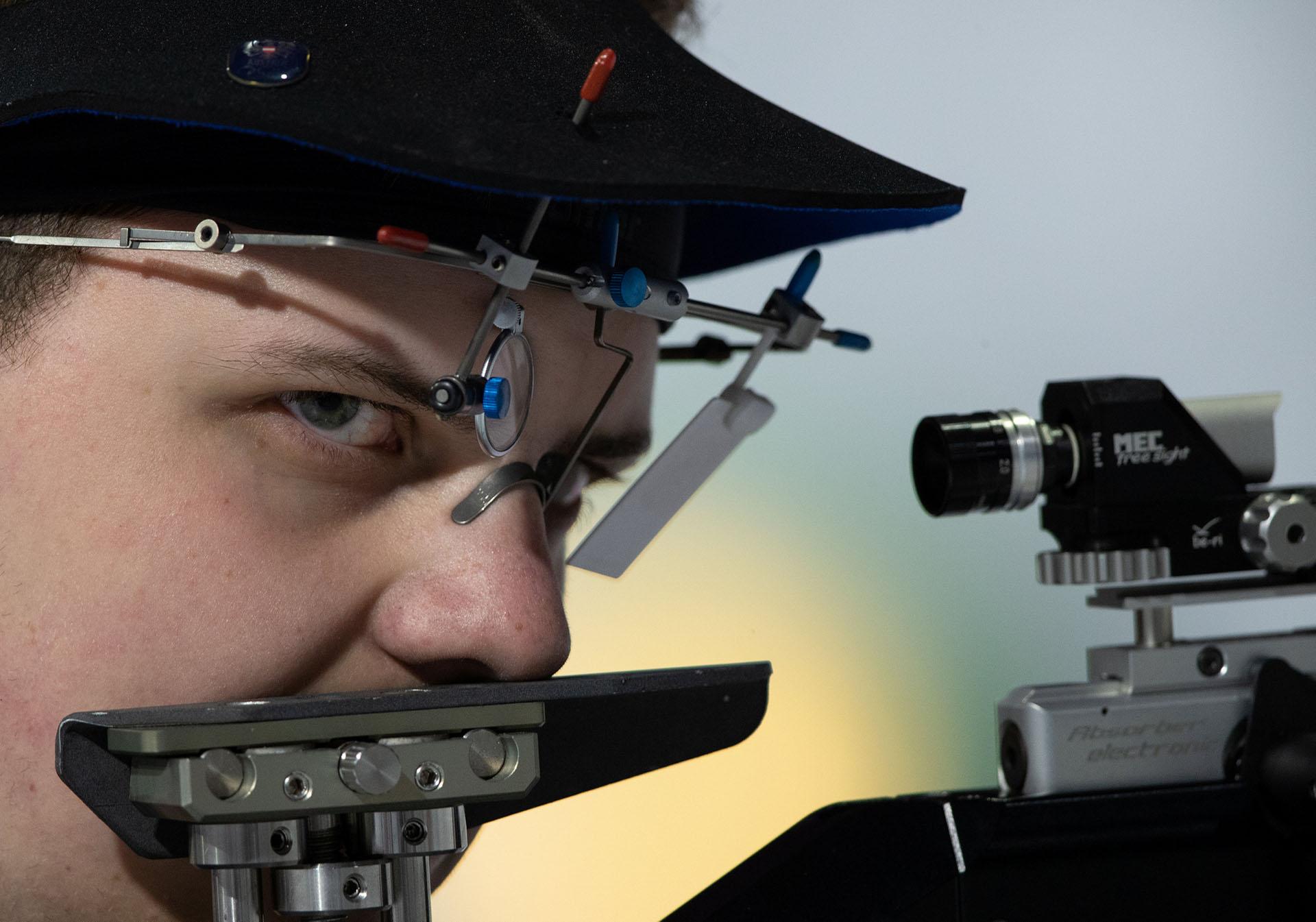 Mirada de acero para el austríaco Stefan Wadlegger en la competencia de tiro (Foto: Reuters)
