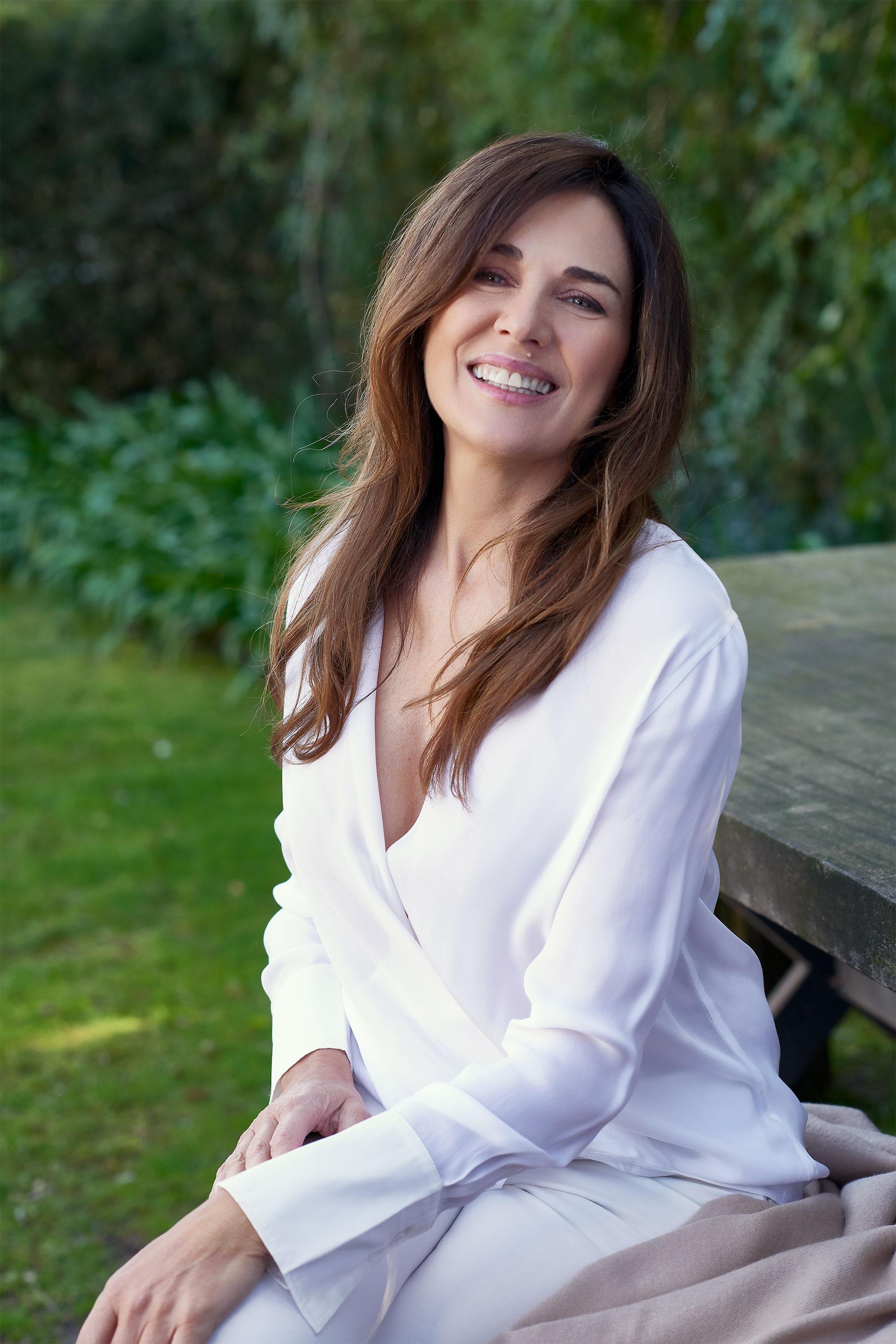 Andrea Frigerio dijo a Infobae que cada vez que va a una gala en el exterior prefiere vestirse con diseñadores nacionales (Claudia Cebrian)
