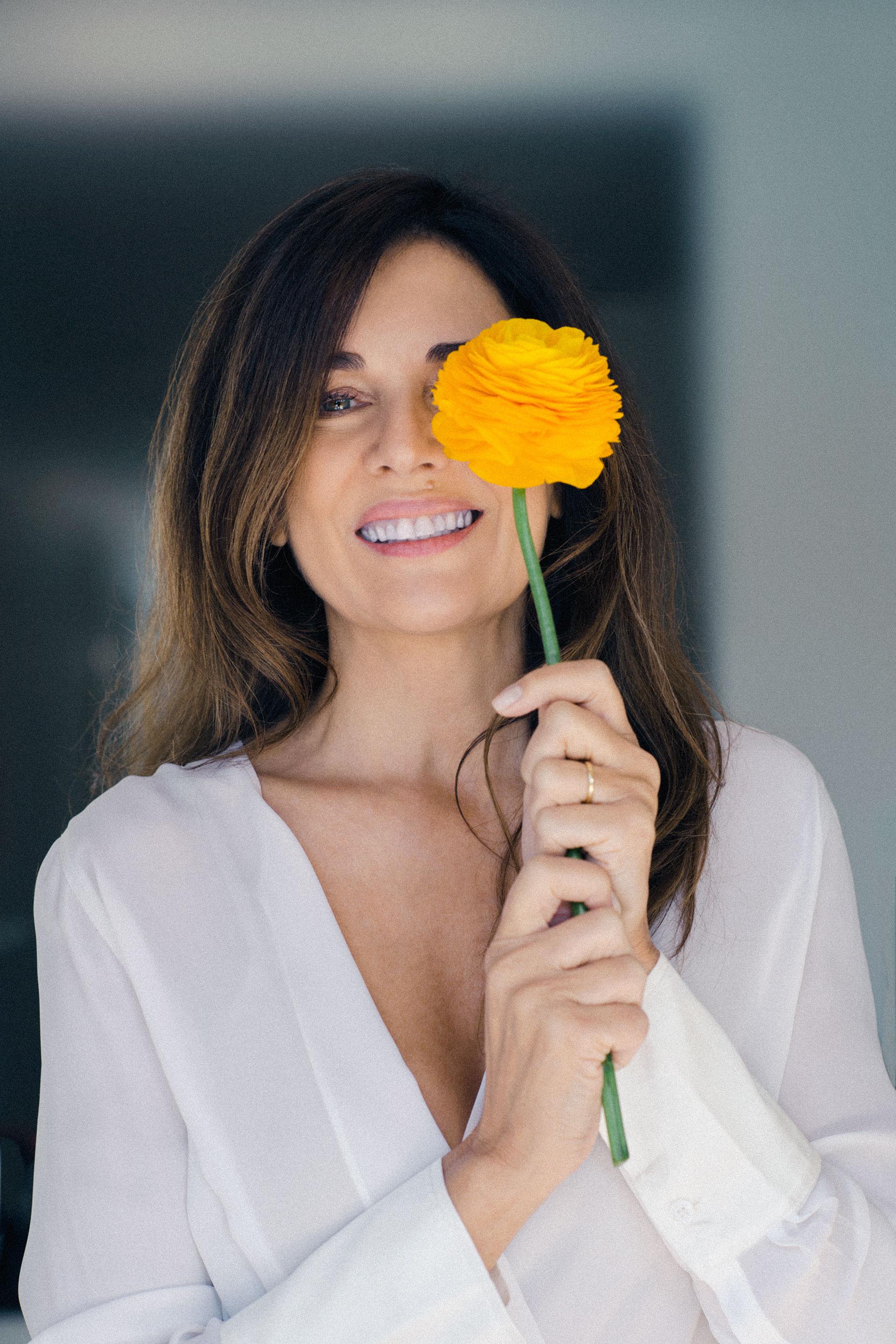 El shooting para lograr la tapa de su libro fue en la casa de la actriz. Al natural y sin Photoshop (Claudia Cebrian)