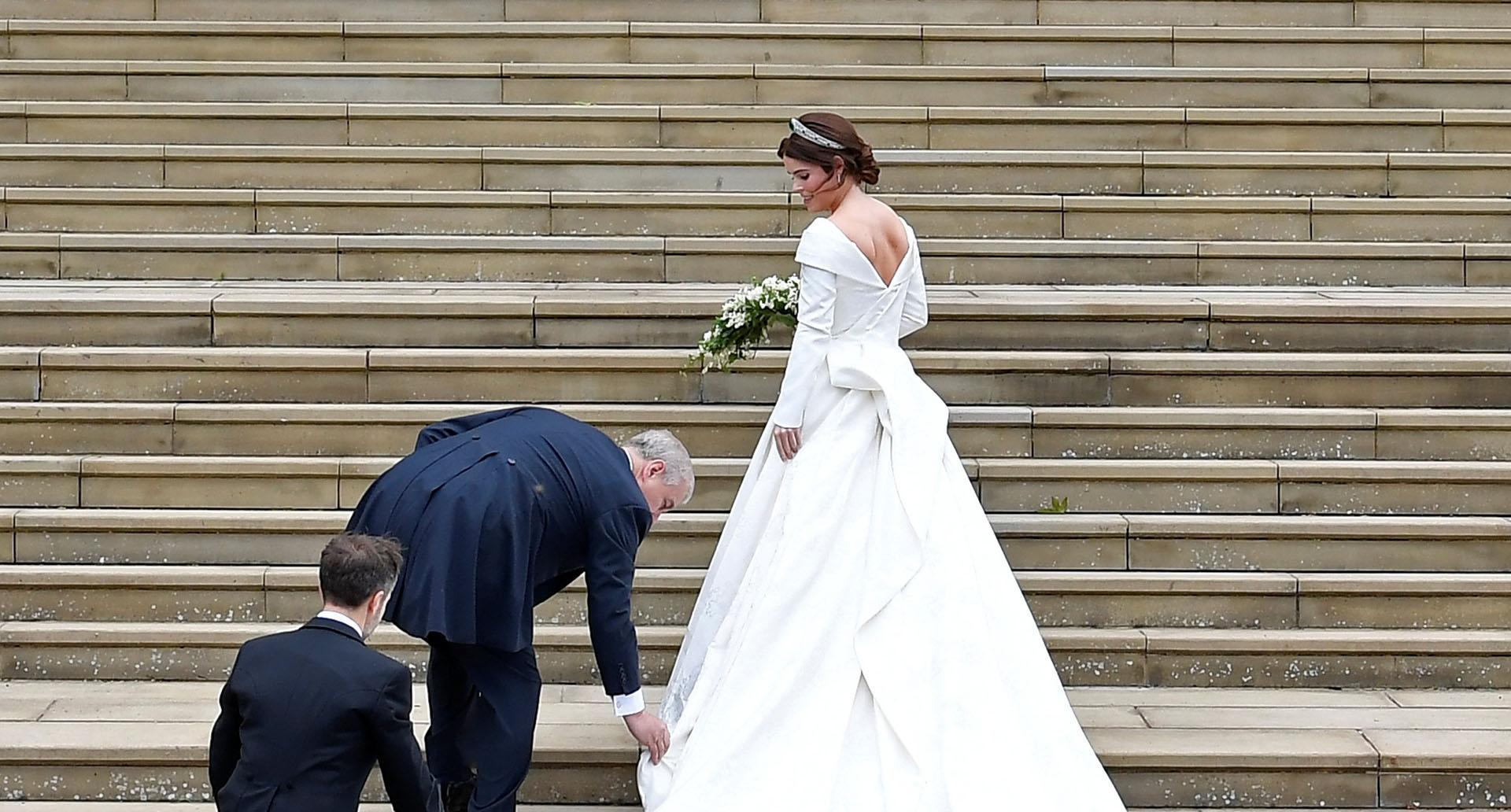 """""""El vestido es lo único que tenía realmente decisivo. Tan pronto como anunciamos la boda, sabía el diseñador y el look, inmediatamente"""", contó Eugenia"""