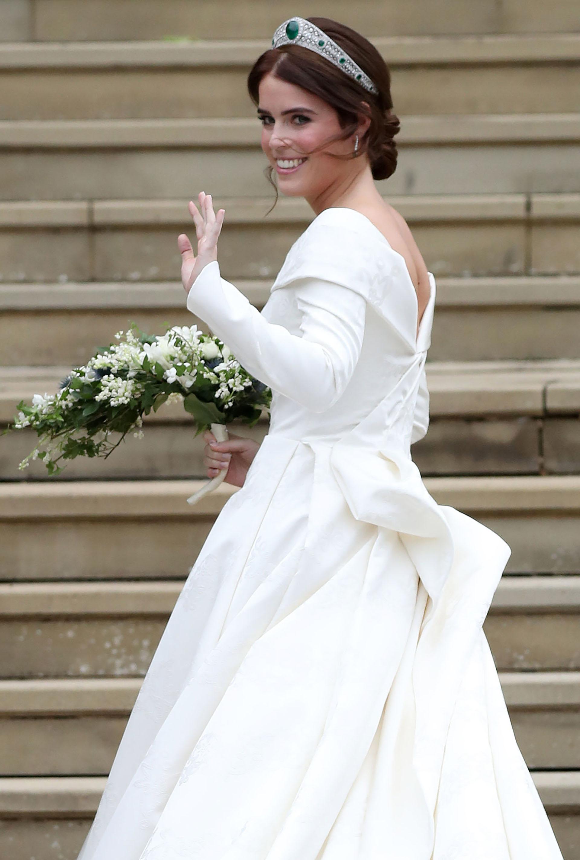 Eugenie, lista para entrar, su vestido guardaba símbolos familiares