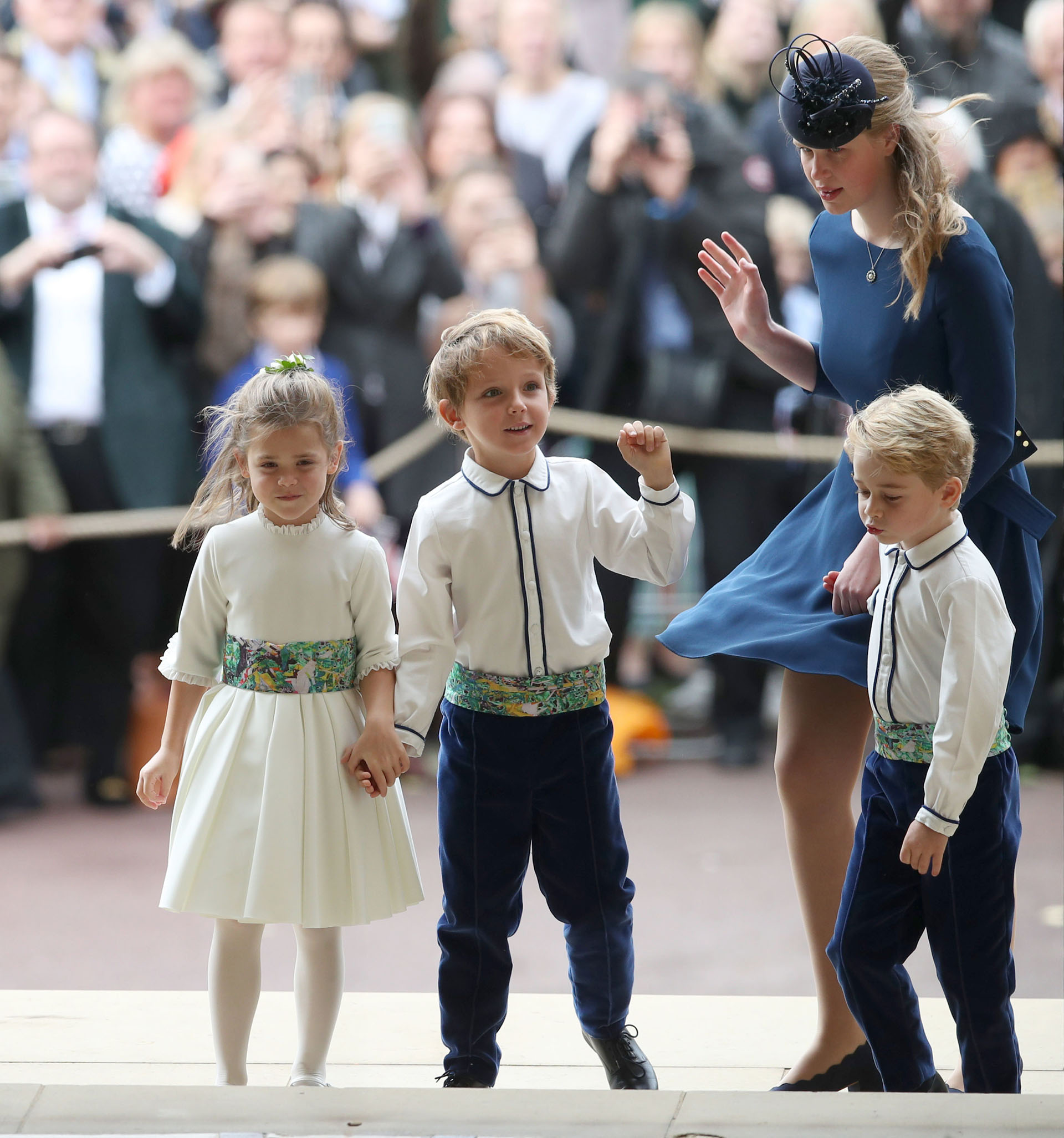 El cortejo integrado por el príncipe George