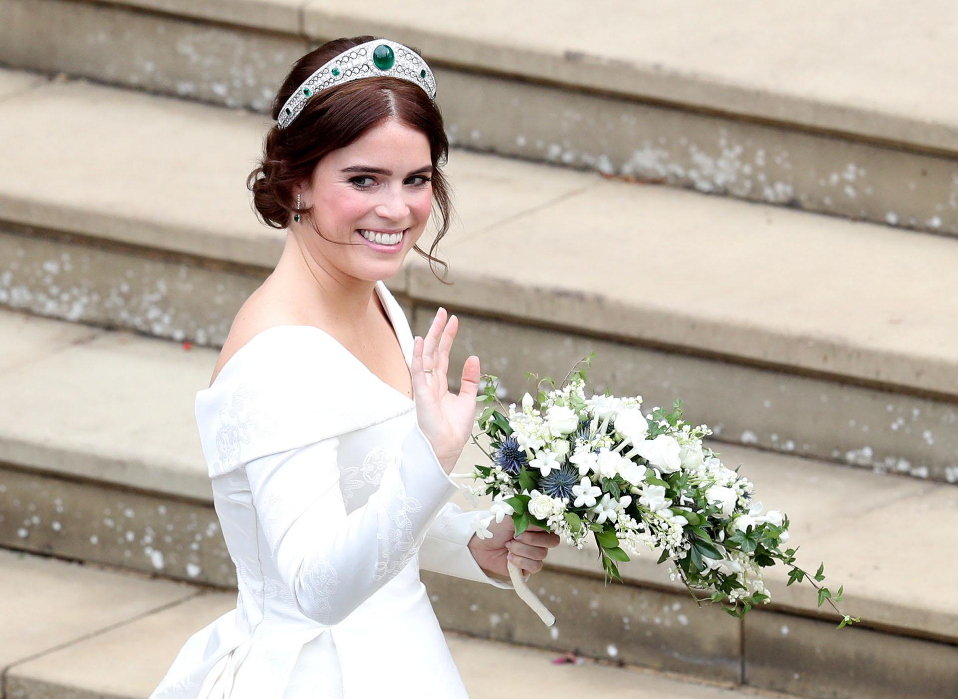 Eugenie, la nieta de la Reina Isabel II, eligió un vestido del diseñador británico Peter Pilotto