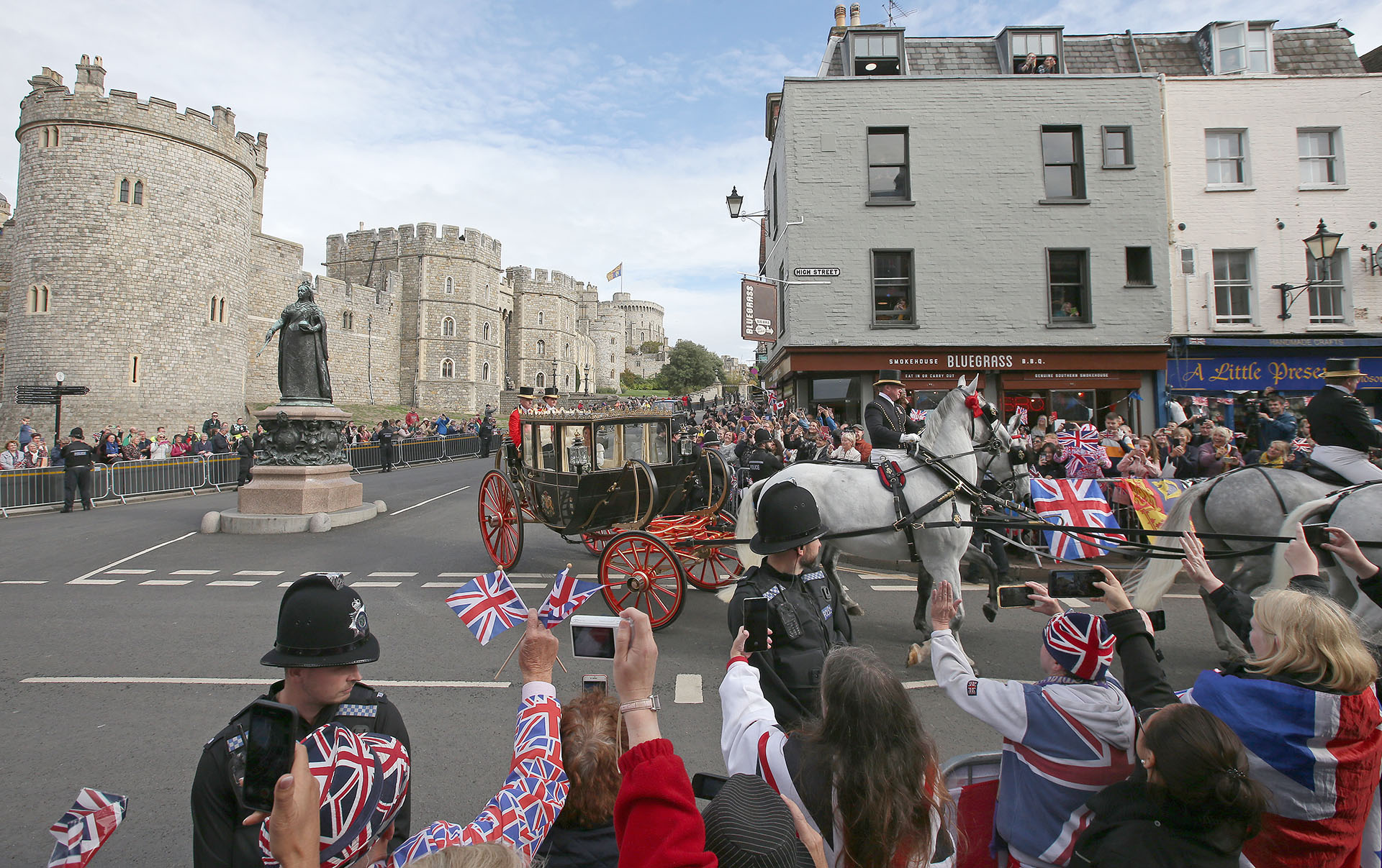 Eligieron parte de la colección de los carruajes reales para saludar tirado por cuatro caballos blancos