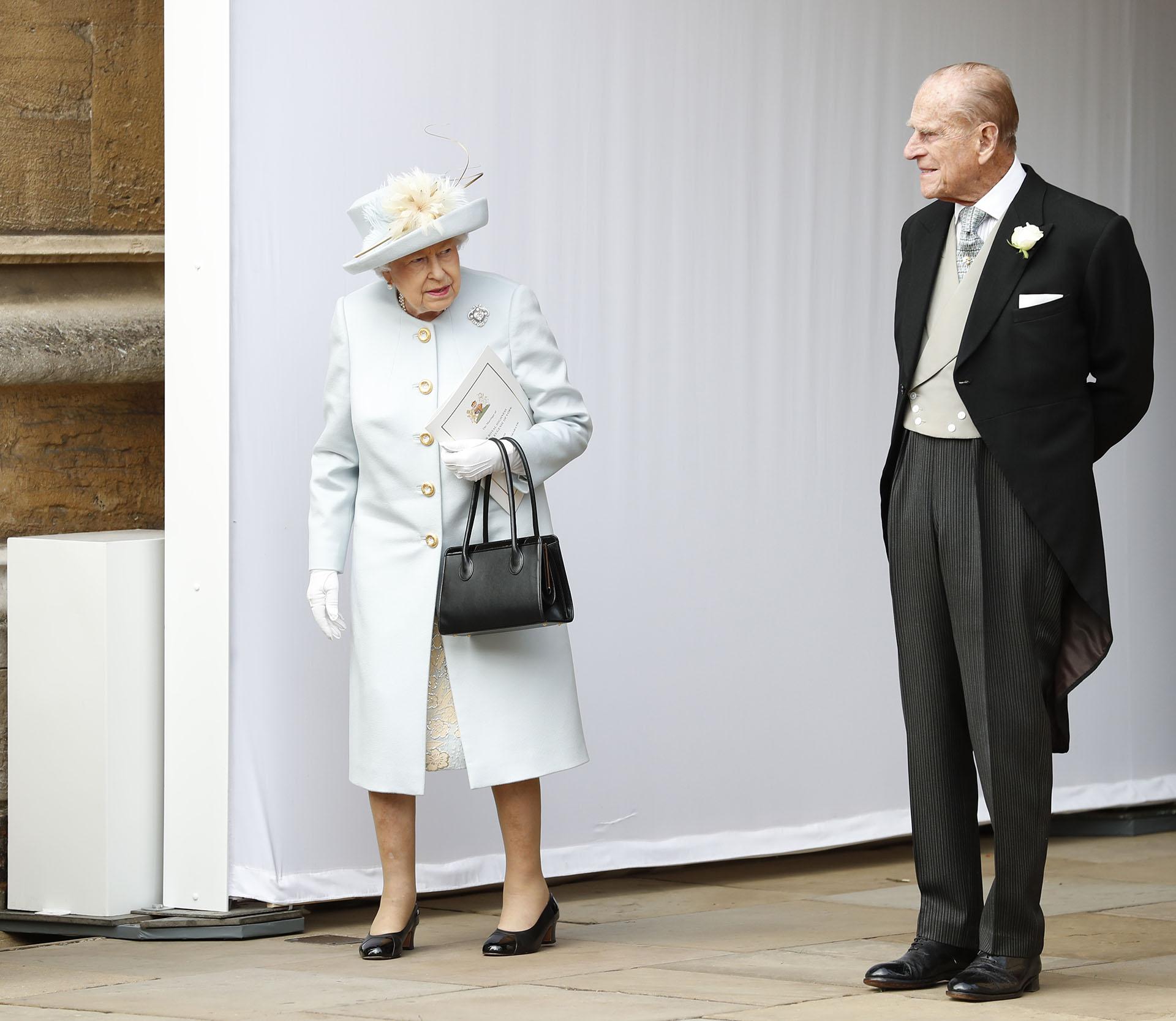 La llegada de la reina Isabel y el Duque de Edimburgo