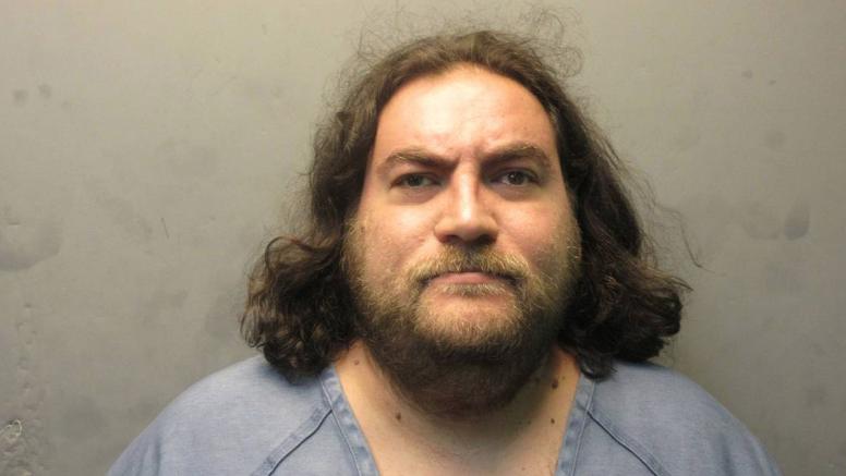 Alex Joel Rodríguez fue arrestado y acusado de voyeurismo con video