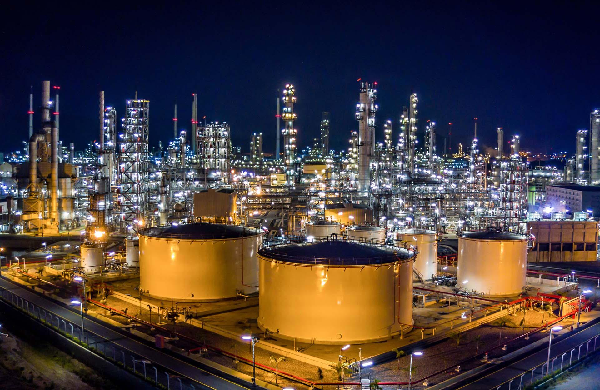 Aveva ofrece soluciones digitales en distintas industrias como minería, gas y petróleo.