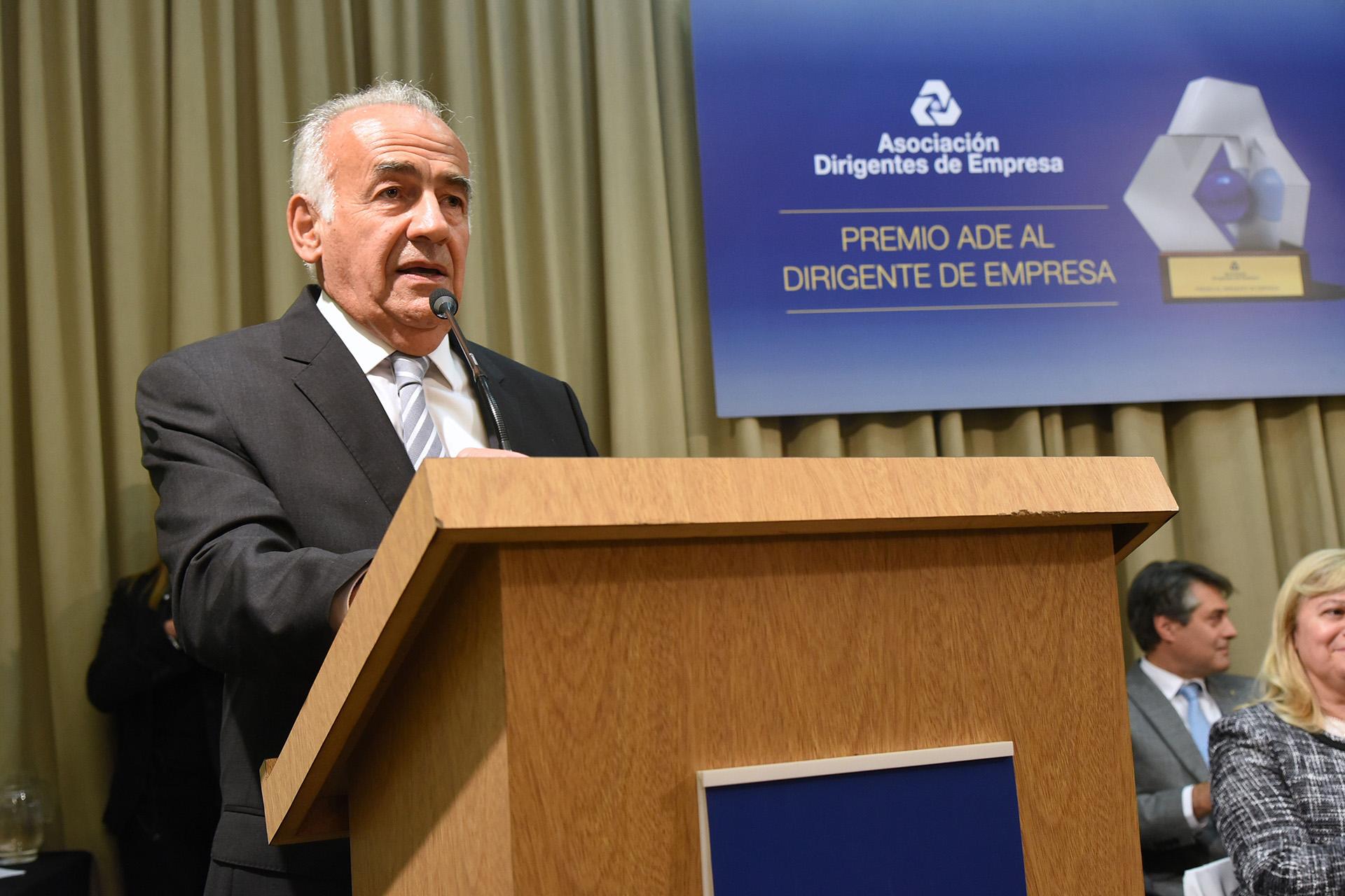 Antonio Assefh, presidente de la Asociación Dirigentes de Empresa (ADE), durante su discurso en la entrega de premios. ADE distinguió a aquellos dirigentes que se destacaron por su continua labor, para lograr la excelencia y liderazgo de sus organizaciones