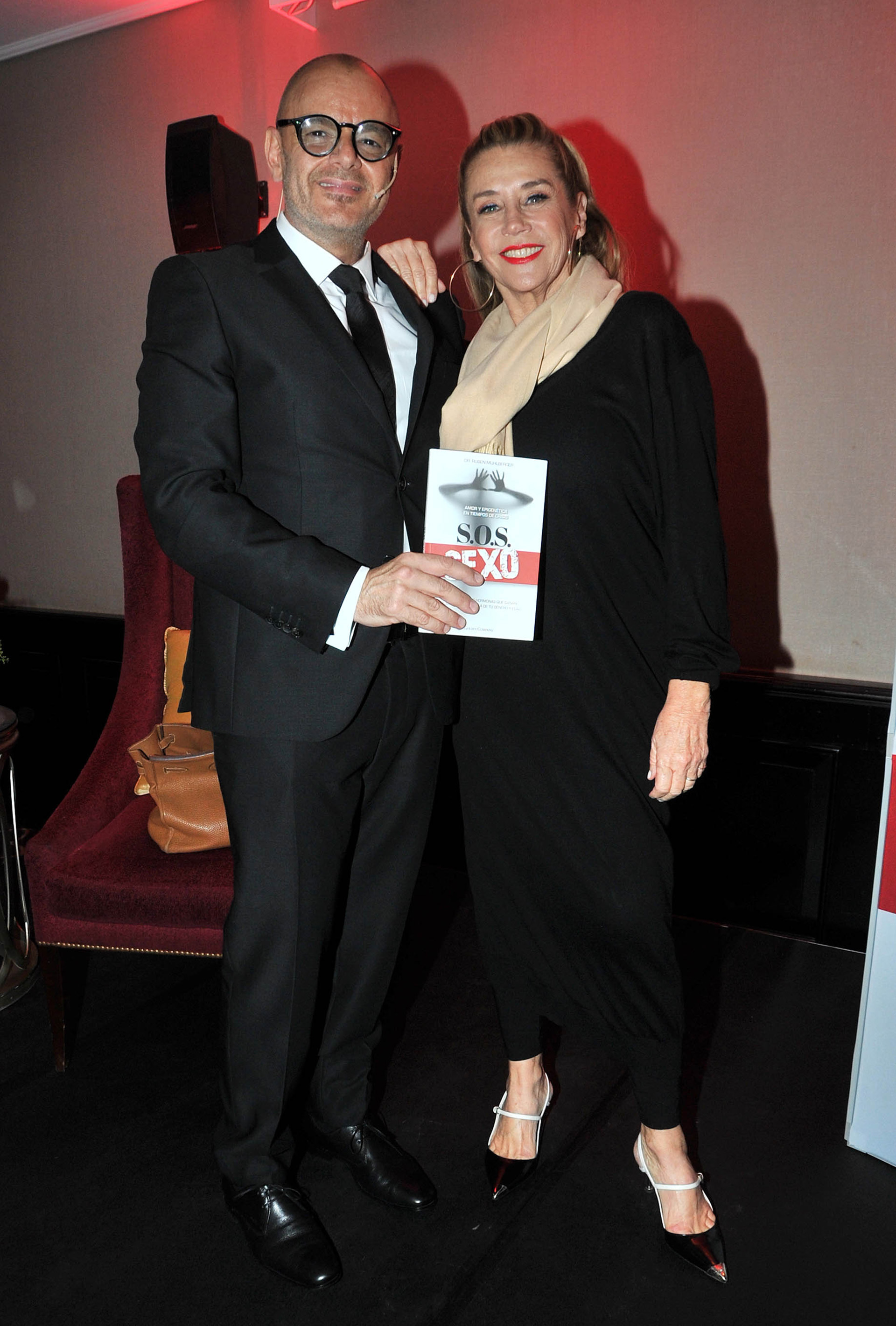 El doctor Mühlberger y Marcela Tinayre