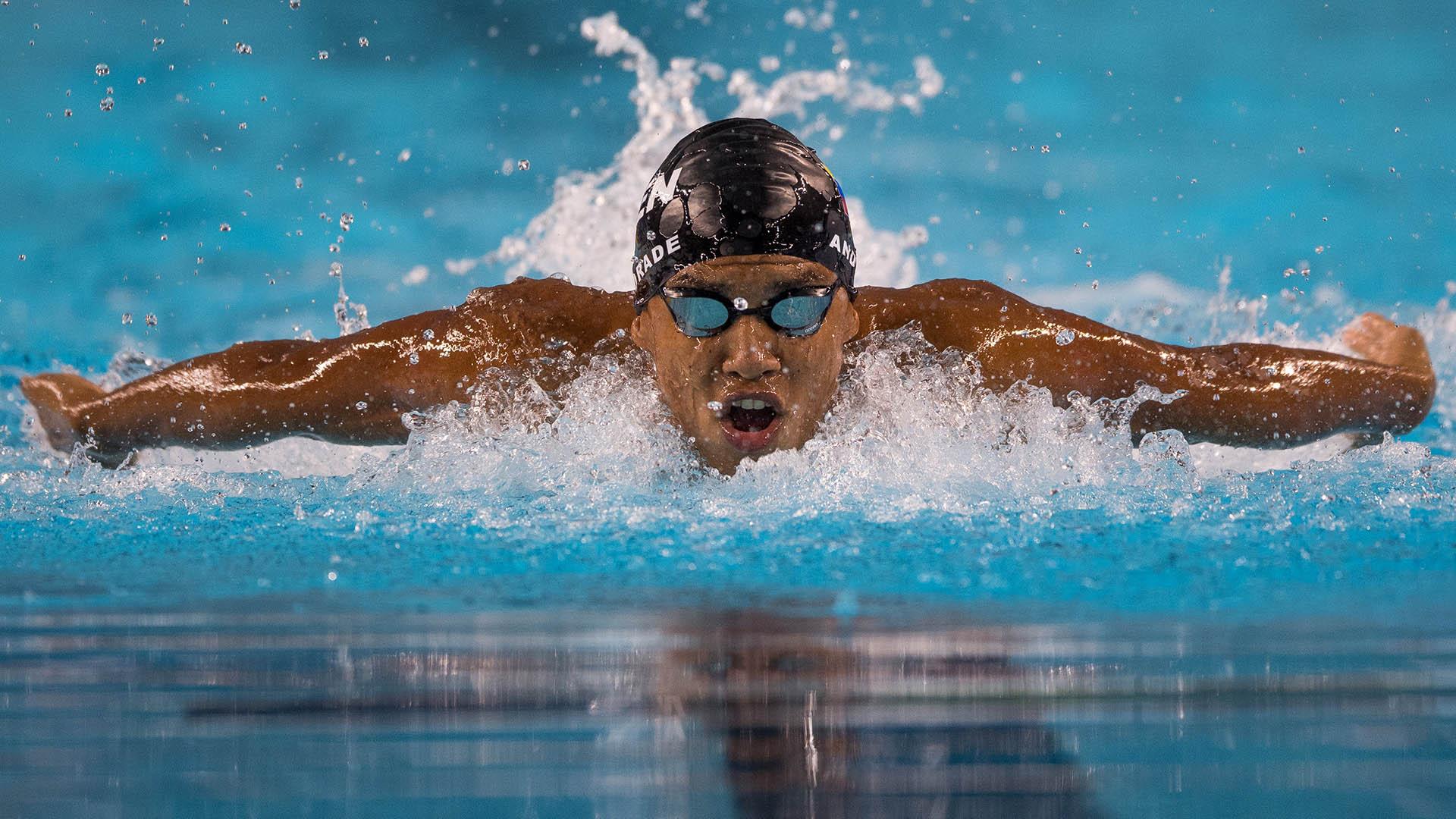 El venezolano Enrique Andrade compitió en los 200 metros masculinos en el acuario del parque olímpico