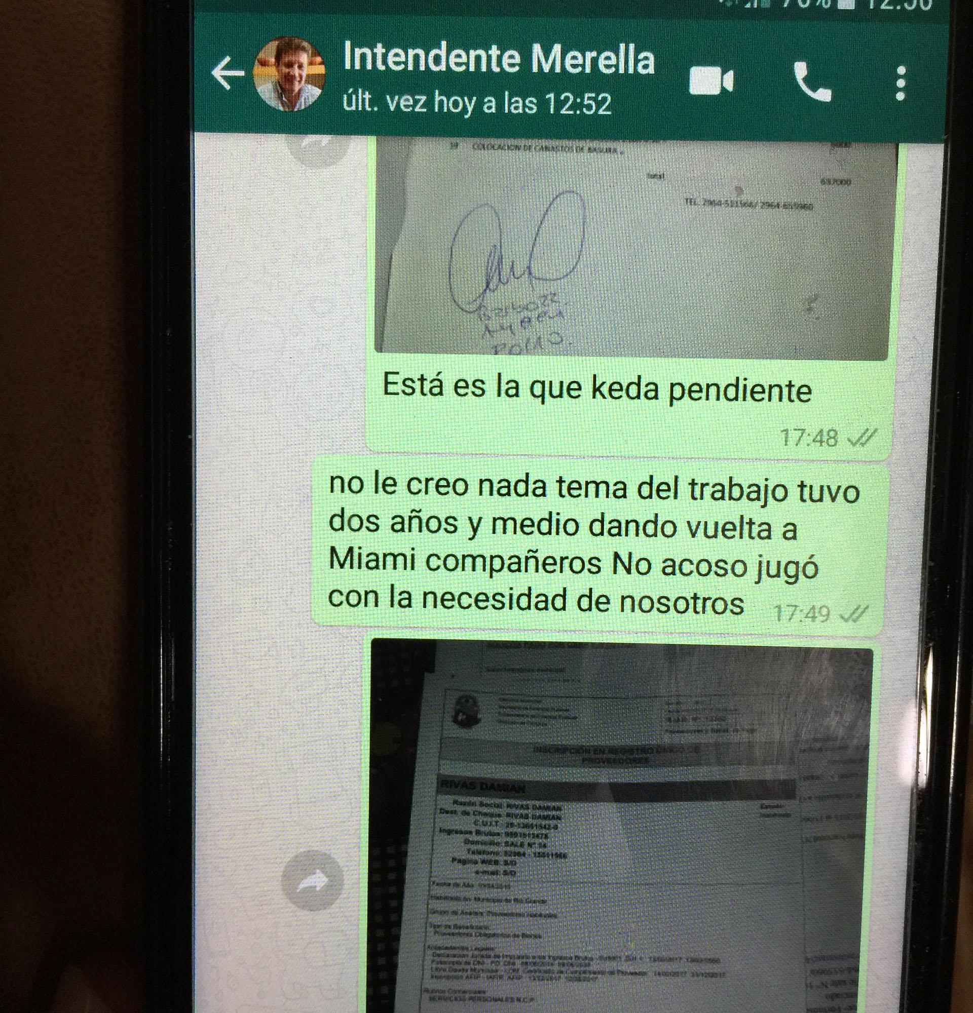 Investigacion al Intendente Melella en Rio Grande Mensajes celu Rivas reclamo del pago