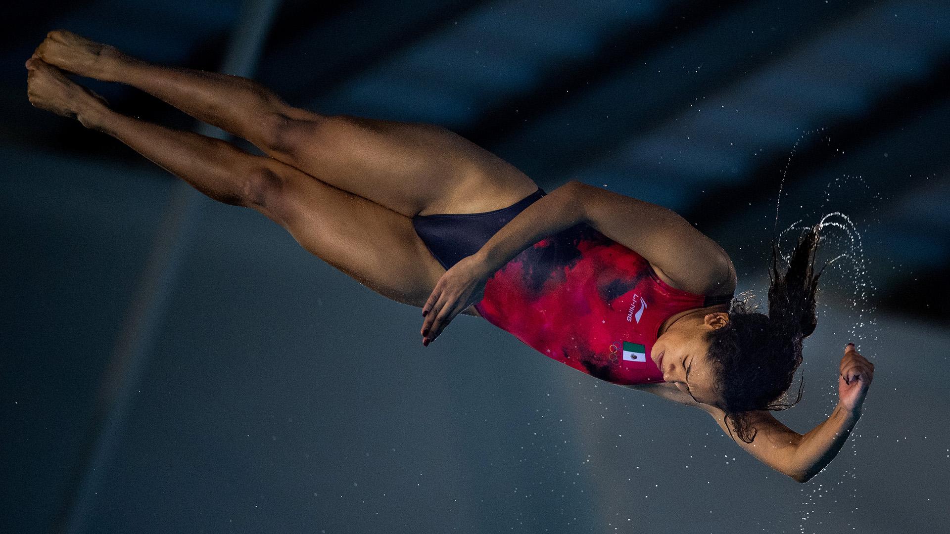 Gabriela Belem Agundes Garcia de México a punto de sumergirse en las aguas del natatorio del Parque Olímpico (Foto:REUTERS)