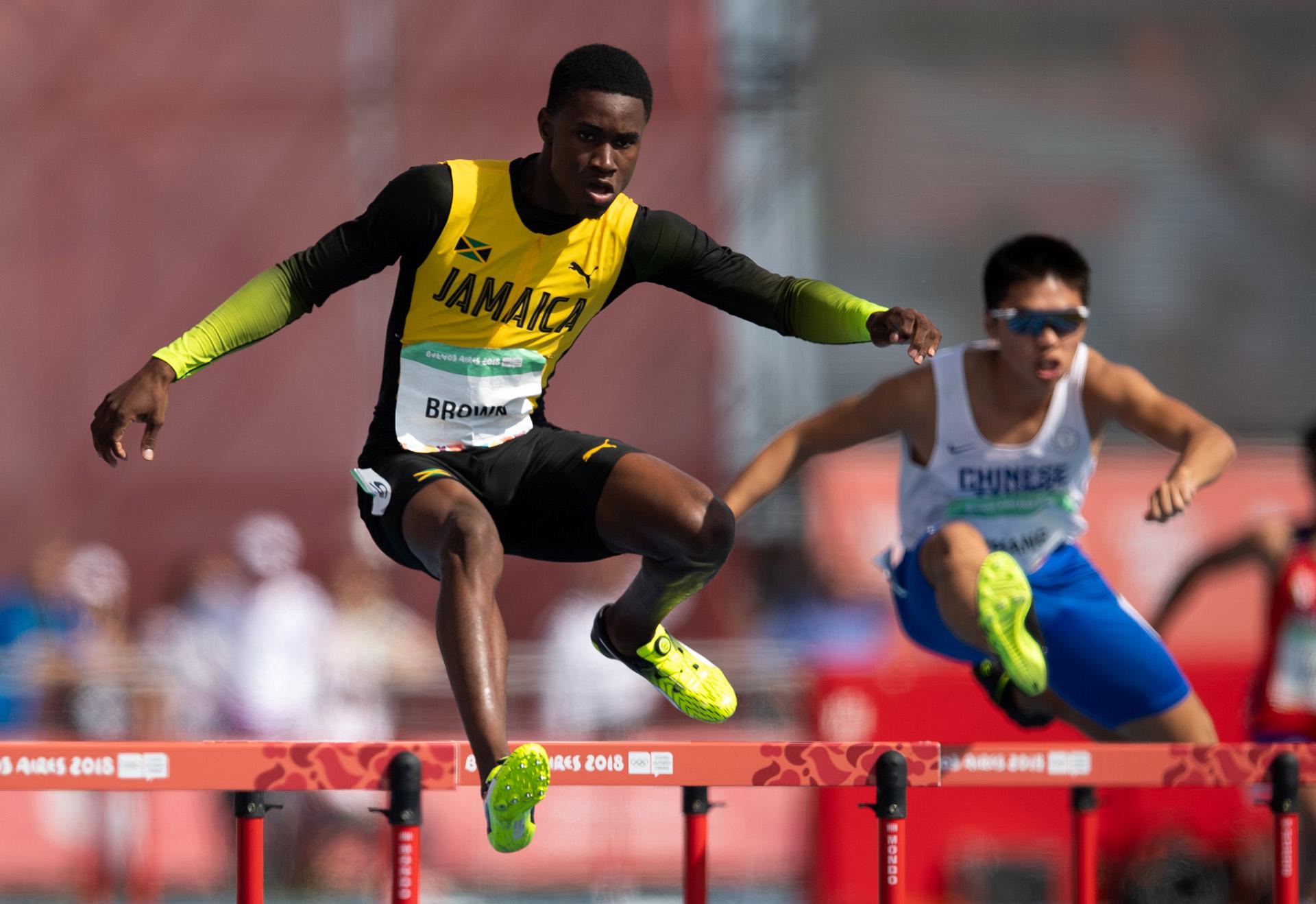 Shanthamoi Brownde Jamaica completó los 400 metros con vallas en el Parque Olímpico (Foto: REUTERS)