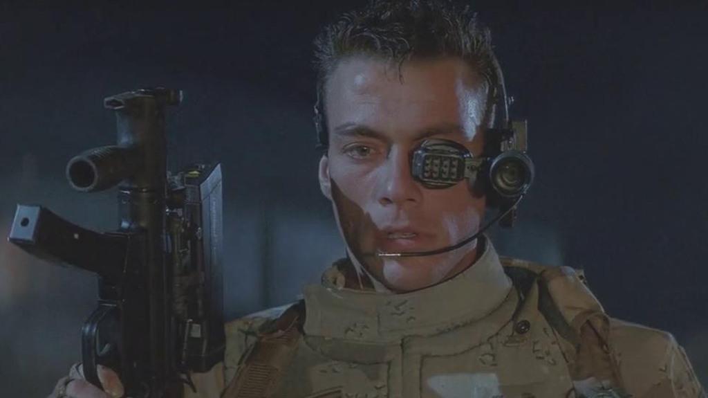 """El actor Jean-Claude Van Damme en la película """"Soldado Universal"""", sobre un grupo de """"superhumanos"""" convertidos en armas de guerra"""