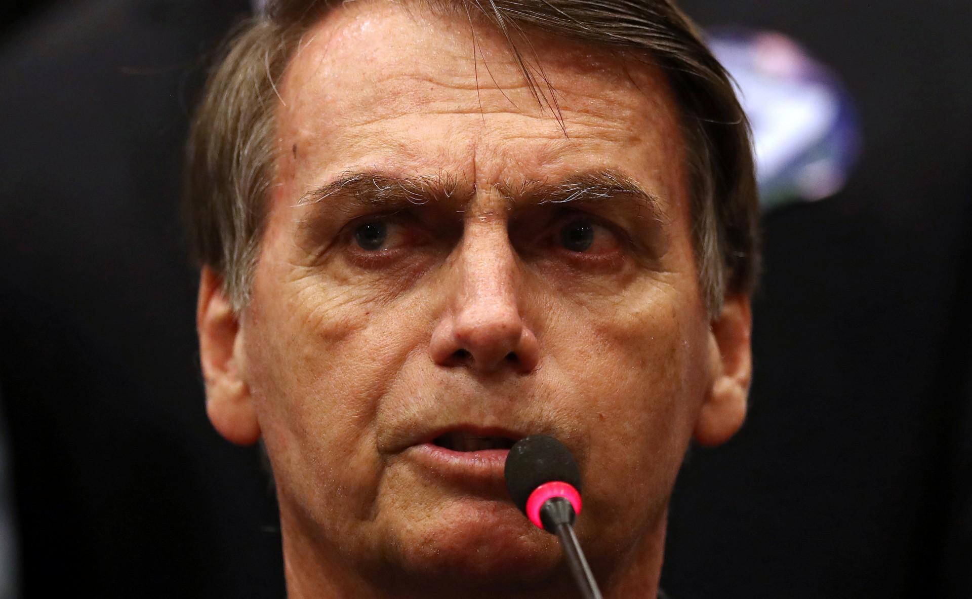 Jair Bolsonaro durante una conferencia de prensa el 11 de octubre (REUTERS/Ricardo Moraes)