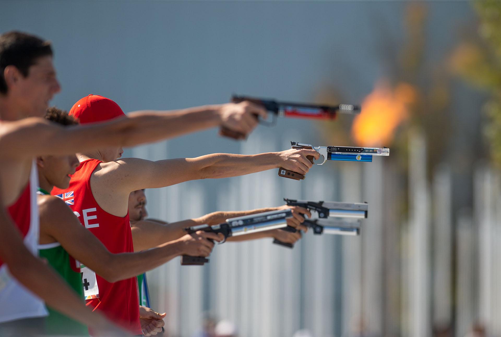 Toby Price, de Gran Bretaña, durante el Evento Individual Masculino Moderno de Pentatlón y Campo Traviesa de los Juegos Olímpicos de la Juventud Buenos Aires 2018(REUTERS)