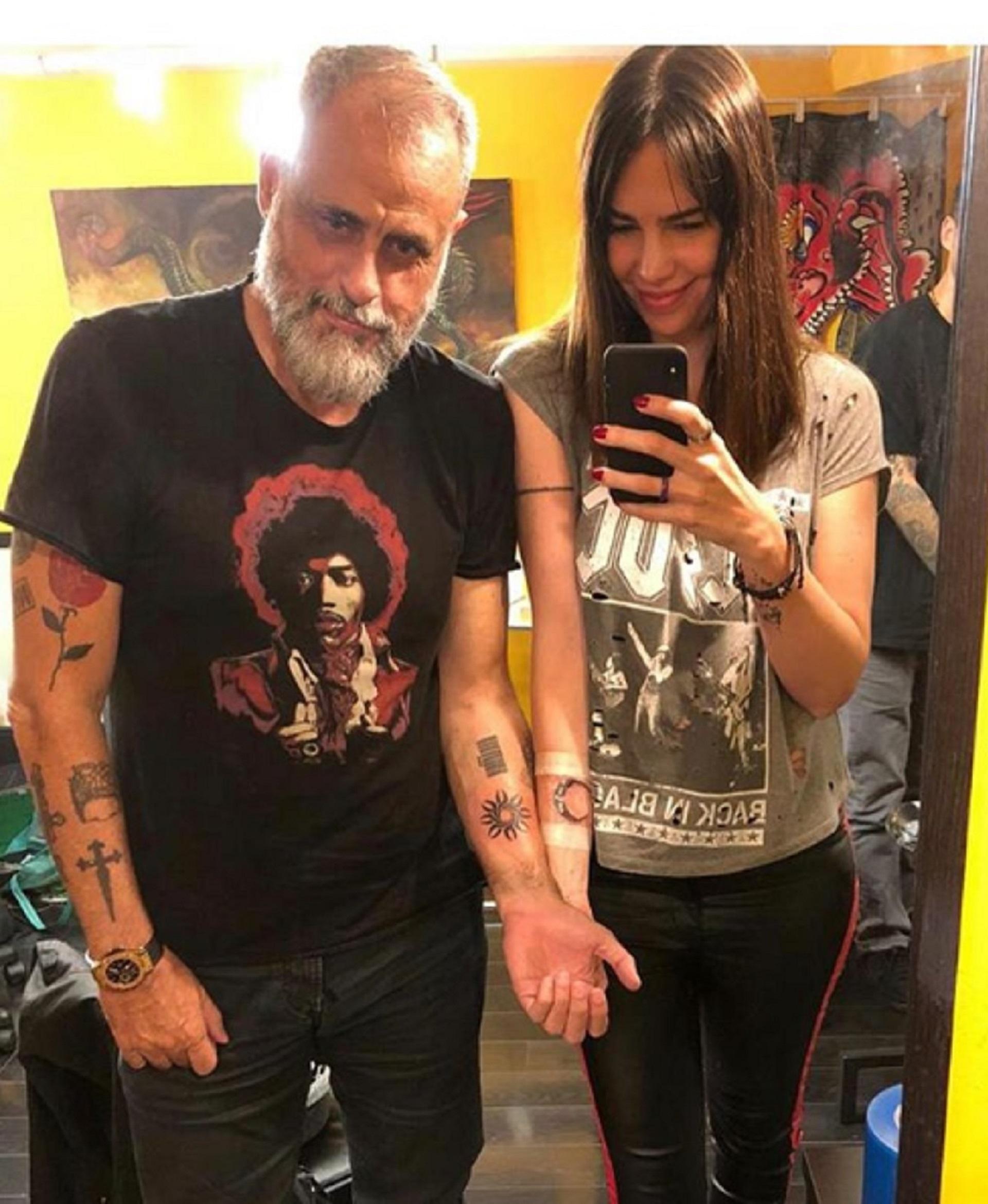 Jorge Rial cumplió 57 años y lo festejó de una manera muy especial: con su novia Romina Pereiro se realizaron unos tatuajes