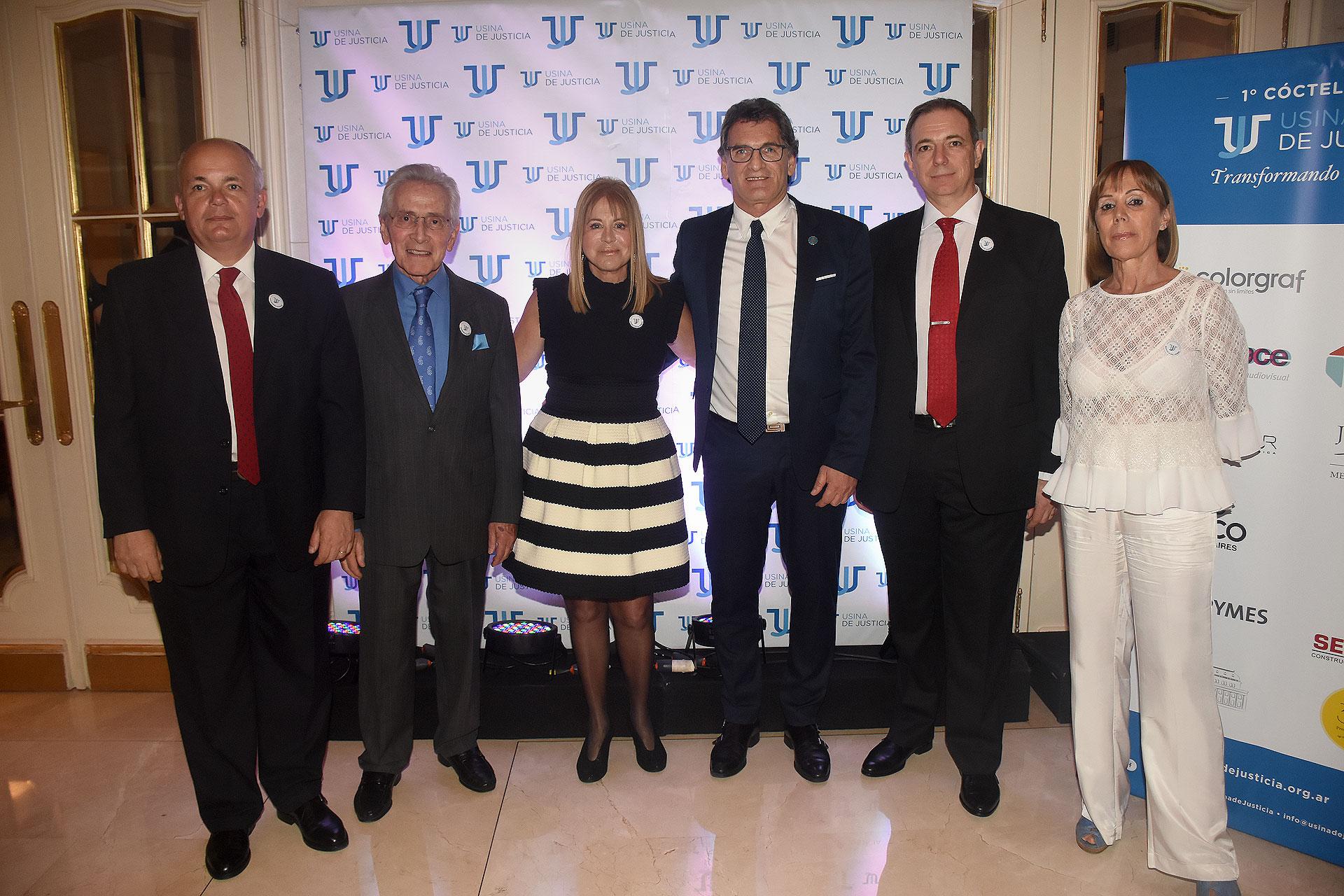Alejandro Fargosi, Marcos Aguinis, Diana Cohen Agrest, Claudio Avruj, Franklin Rawson y Marcela Dal Verme