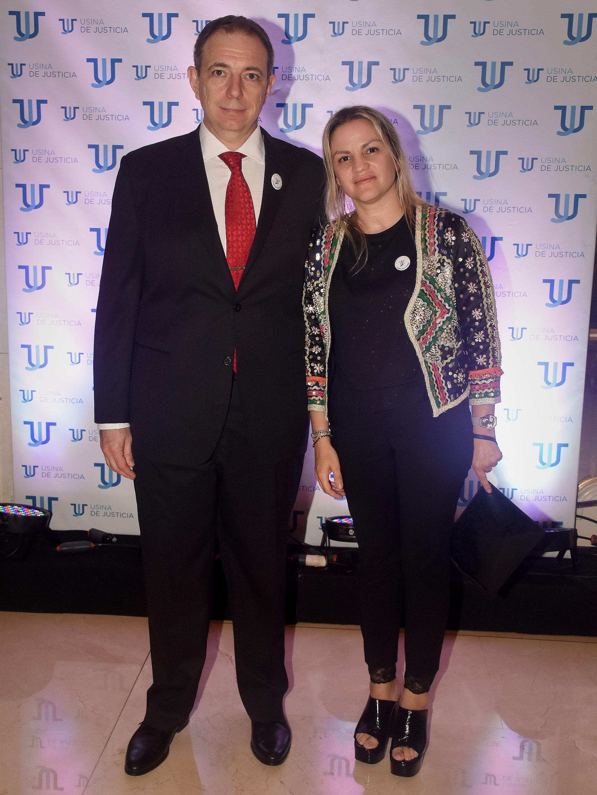 Franklin Rawson, padre de Ángeles Rawson, y Carolina Píparo, integrantes de la comisión directiva de Usina de Justicia