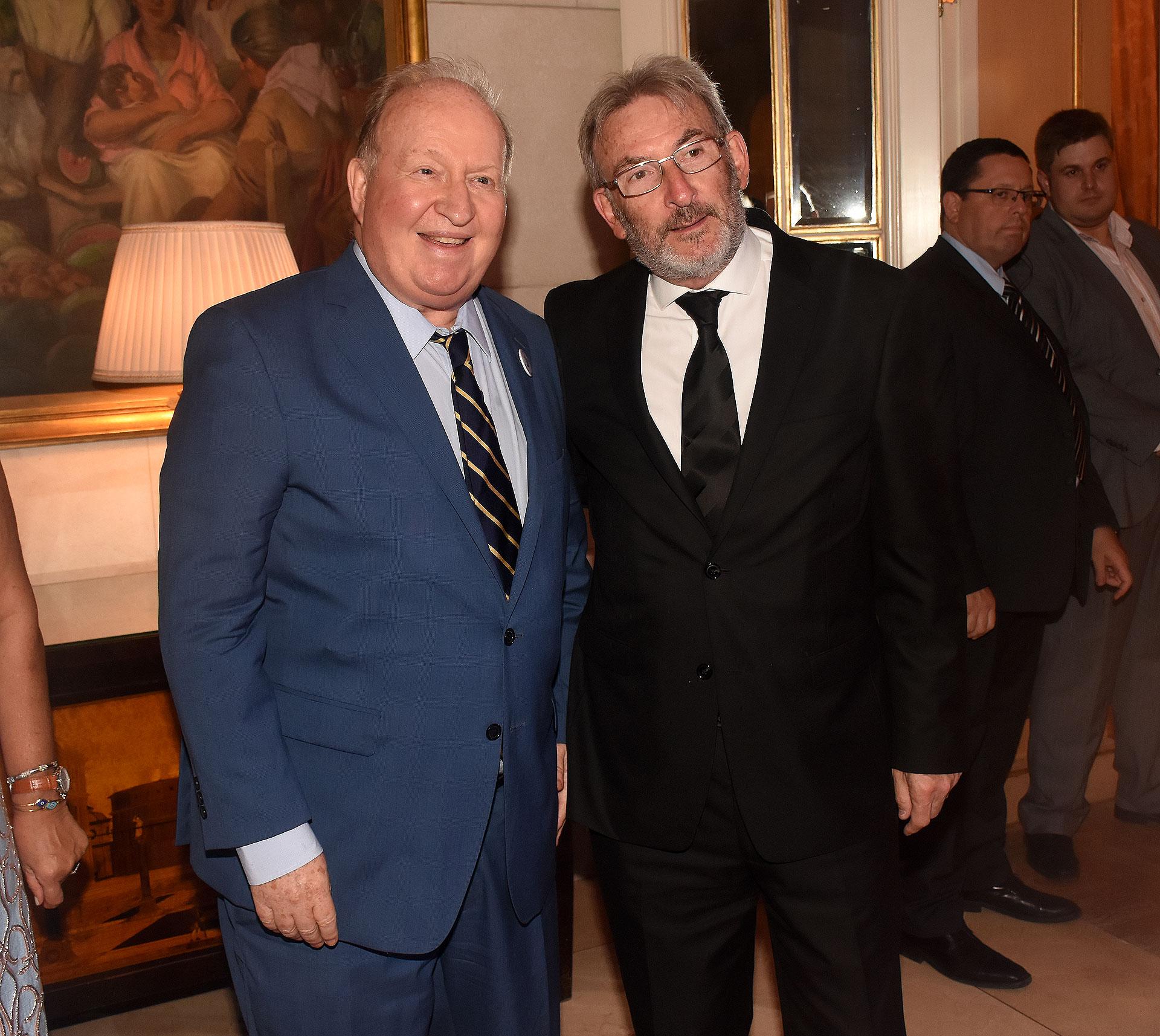 El abogado Daniel Sabsay y Guillermo Yanco, vicepresidente del Museo del Holocausto y miembro de la Comisión Directiva del Club Político