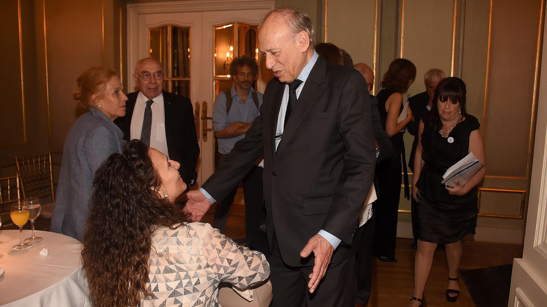 Gabriela Michetti y Luis Ovsejevich, presidente de la Fundación Konex