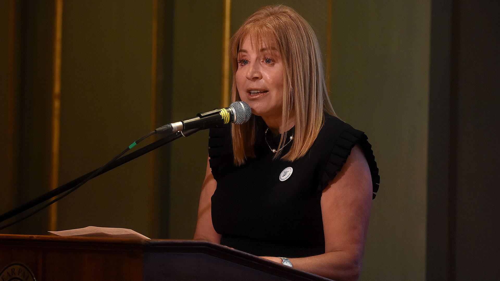 Diana Cohen Agrest, presidente de Usina de Justicia, en el primer cóctel de esa entidad que reunió a distintos actores de los sectores público y privado, con el fin de promover políticas públicas que fortalezcan la justicia y la seguridad