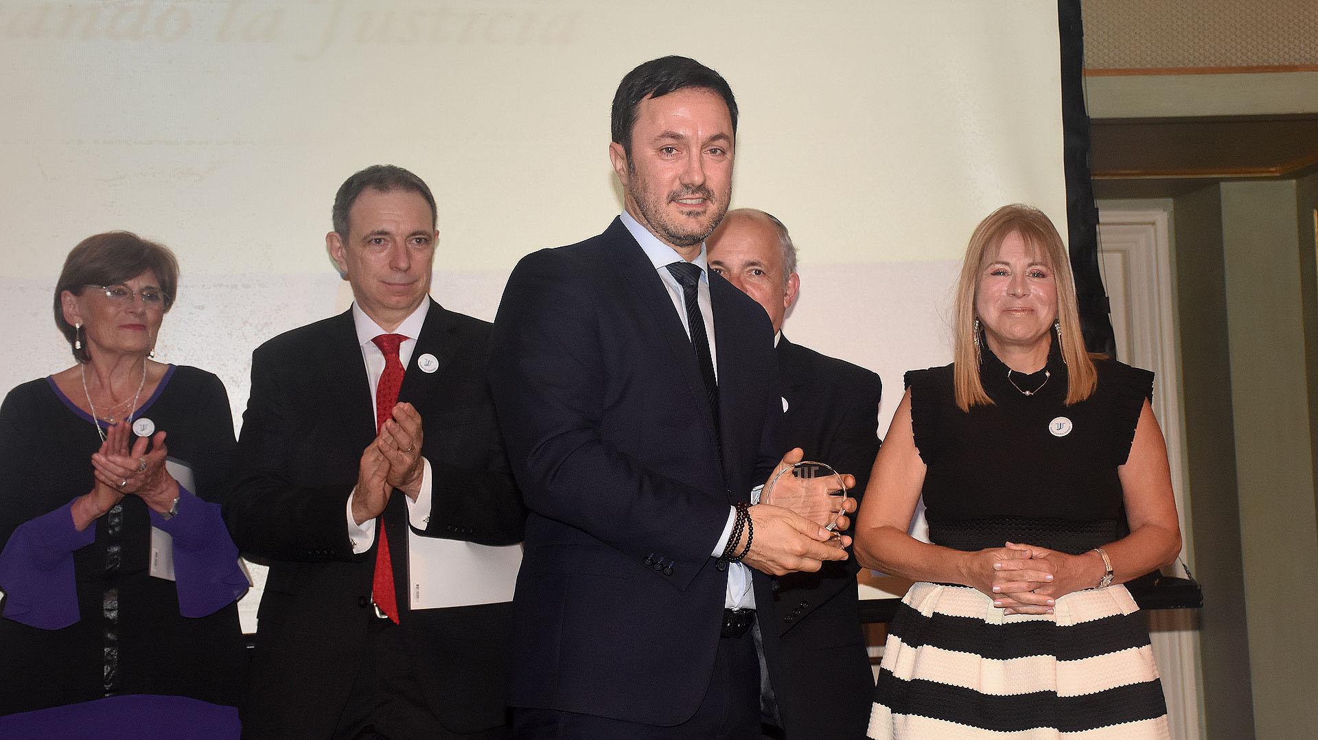 El diputado Luis Petri, vicepresidente segundo de la Cámara de Diputados, recibió también la distinción en reconocimiento a lasanciónde la Ley Nº 27372 de Derechos y Garantías de las personas víctimas de delitos