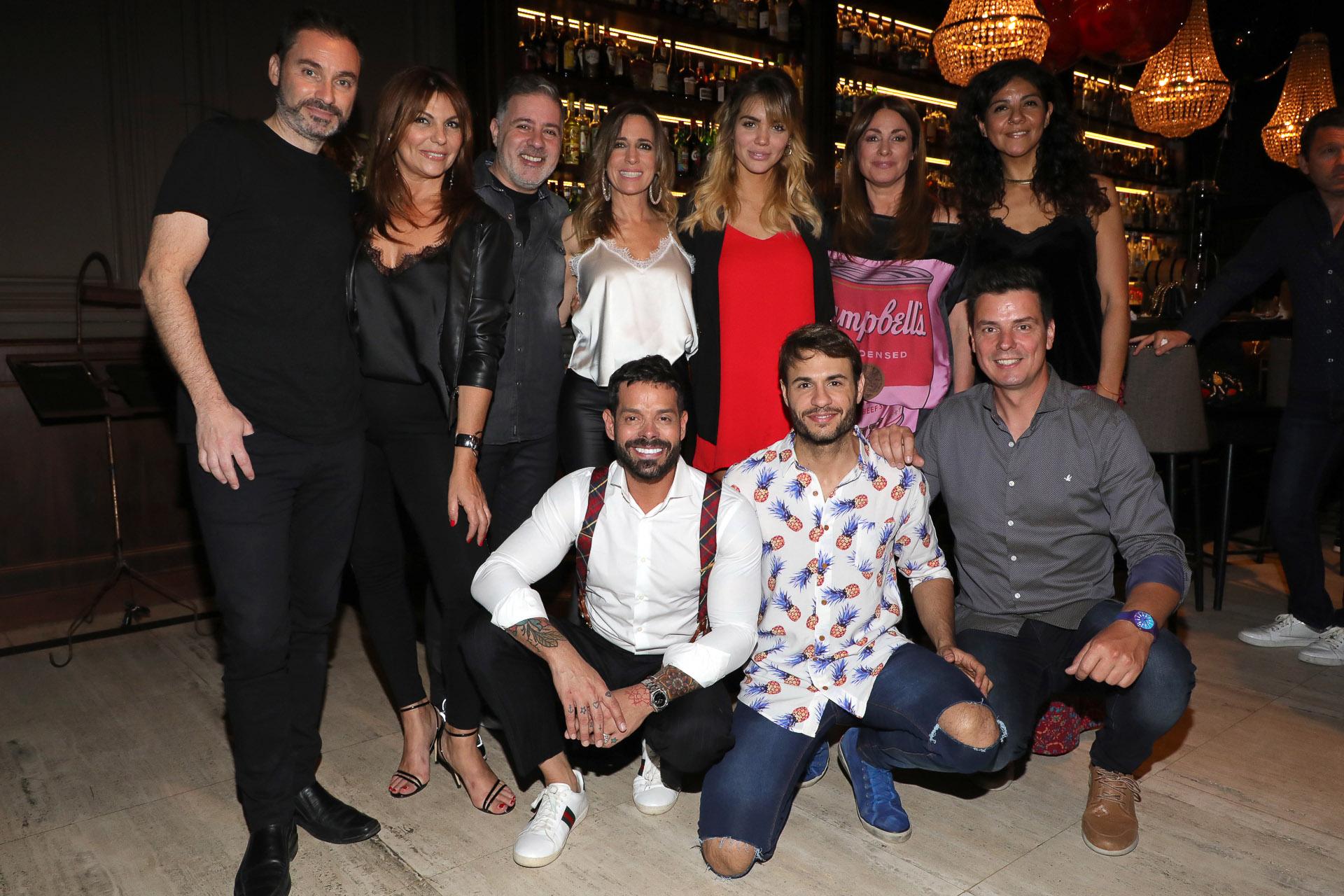 El equipo del programa de El Trece se divirtió en el Bar Presidente, ubicado en Recoleta (Crédito: Christian Bochichio / Teleshow)