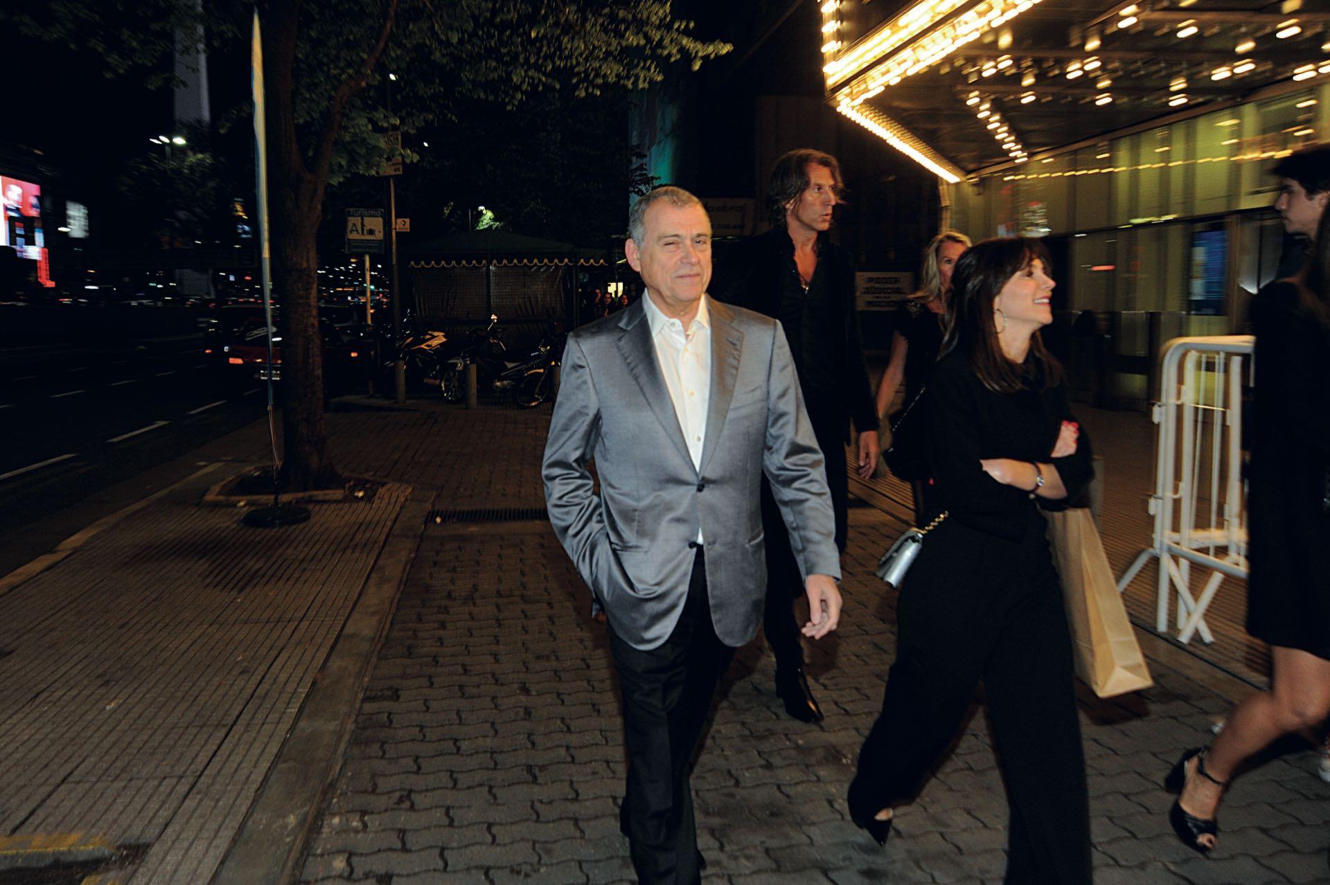 Fiel a su estilo, el agente secreto de la SIDE Jaime Stiuso llegó a la fiesta de incógnito junto a su mujer, Cecilia. (Foto: archivo Gente)