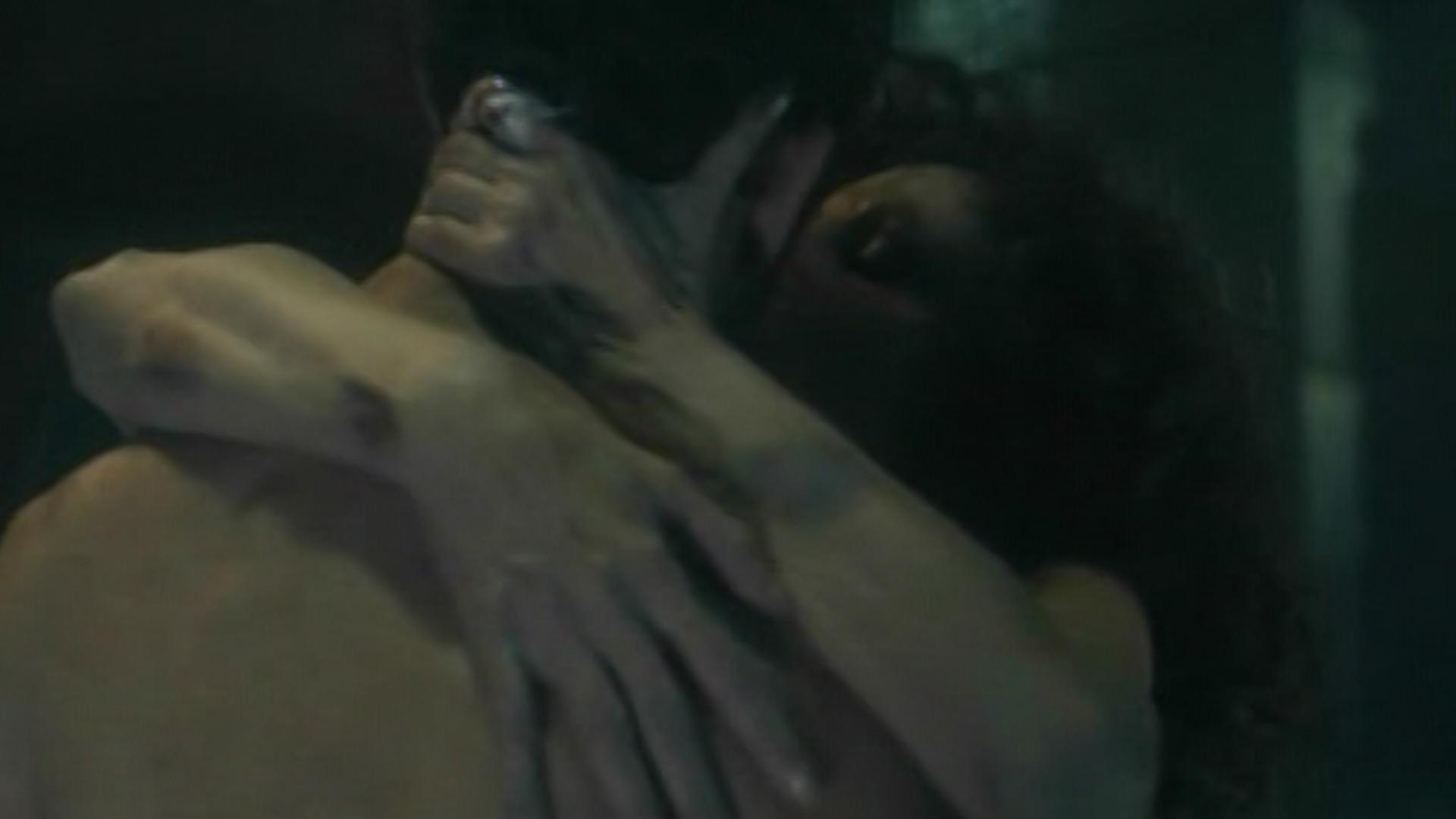 """Amores Perros Escenas Hot con una fuerte escena de sexo y asesinato comenzó """"morir de"""