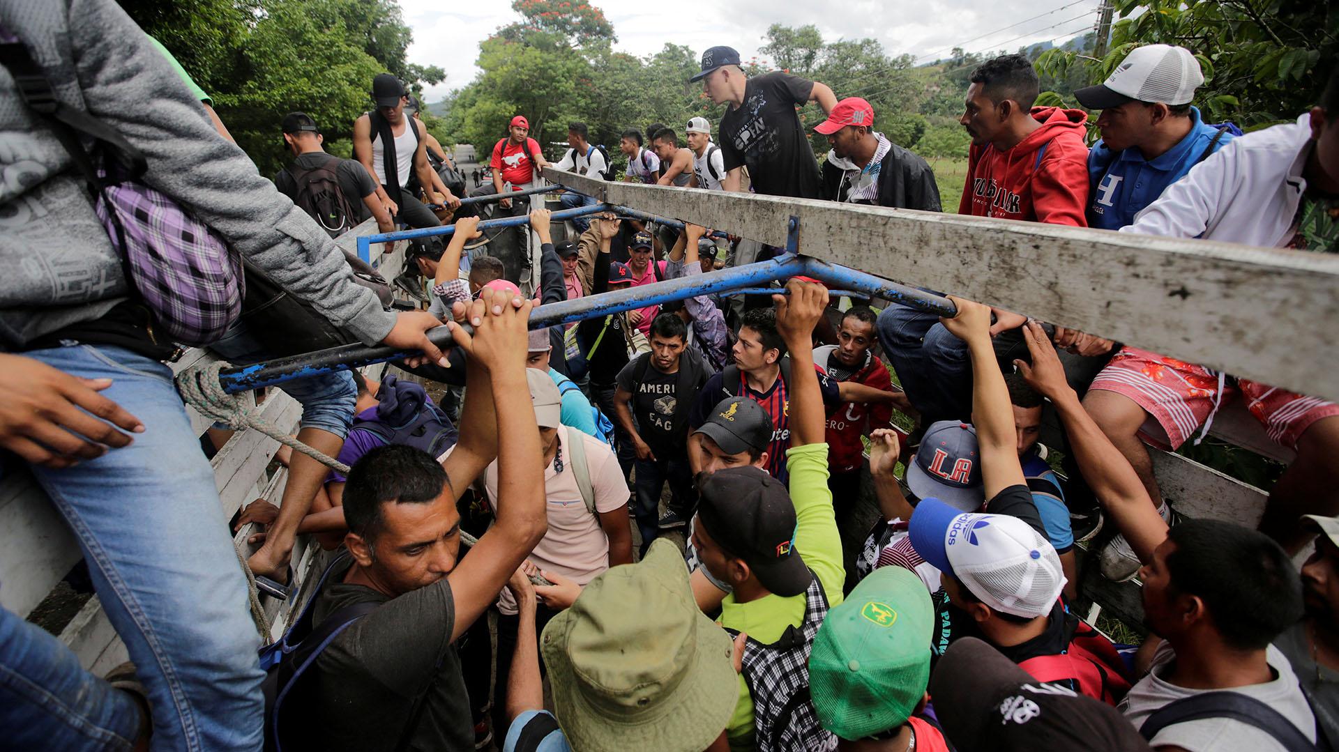 Algunos migrantes hondureños retornaron a su país luego de entrar de manera ilegal a Guatemala (Foto: Reuters)