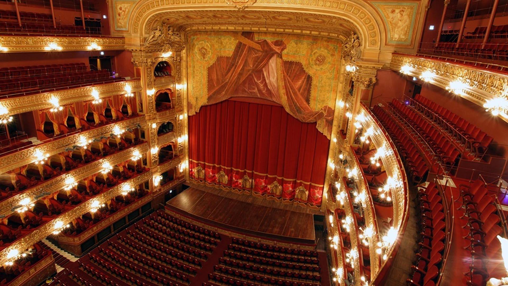 Será Dormal quien le dé el estilo francés a los balcones superiores
