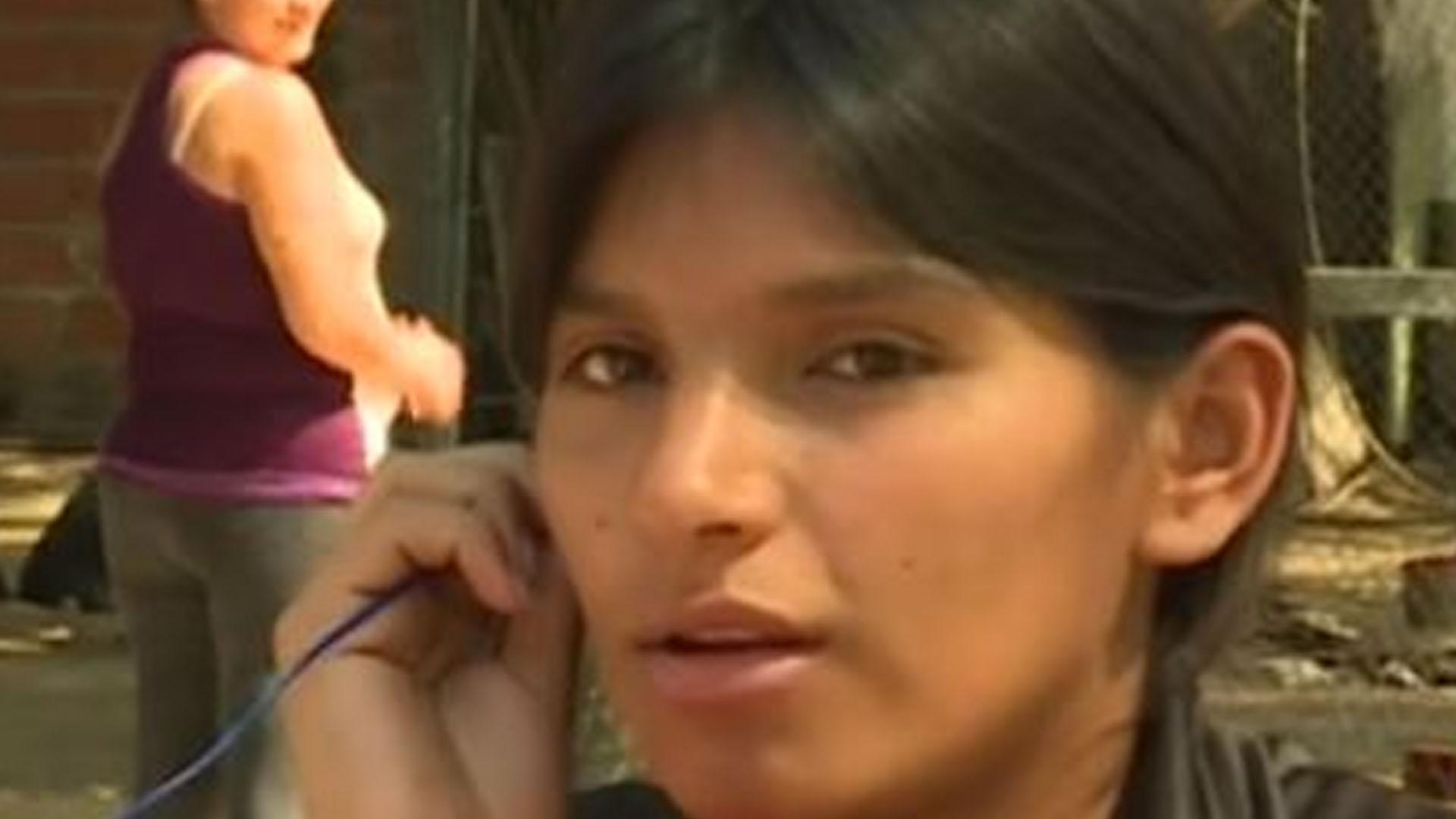 Fabián González tras ser aprehendido. Leonela Ayala había dado varias entrevistas en televisión.